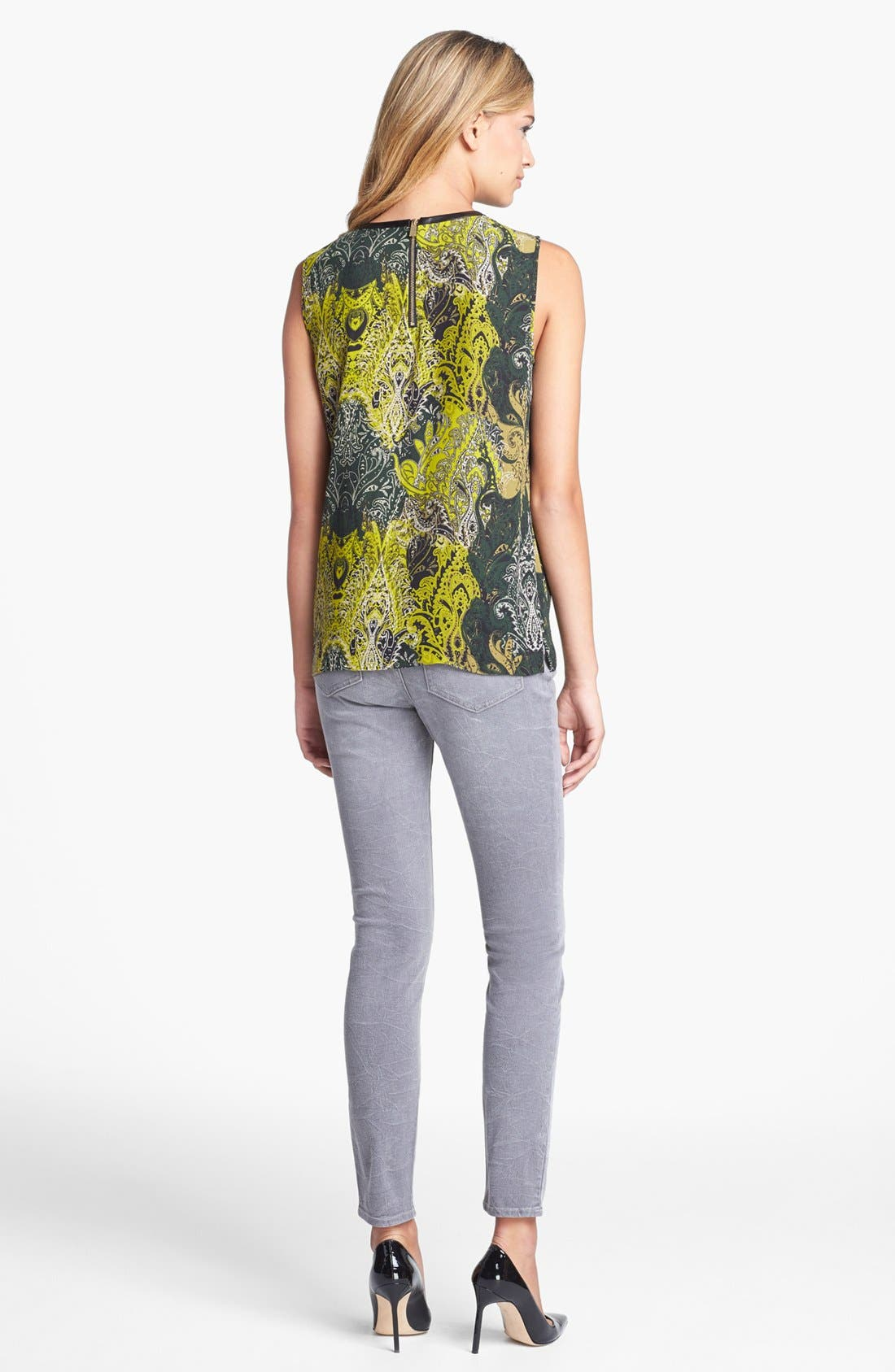 Alternate Image 3  - Two by Vince Camuto Sand Washed Skinny Jeans (Sandy Grey)