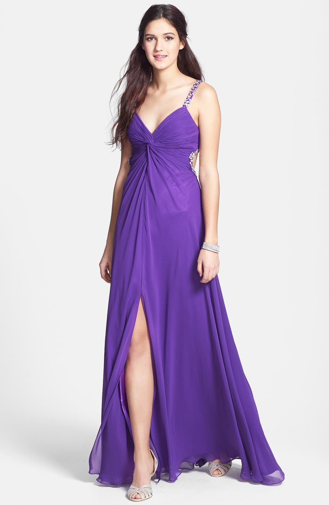 Main Image - Faviana Embellished Front Twist Chiffon Gown (Online Exclusive)