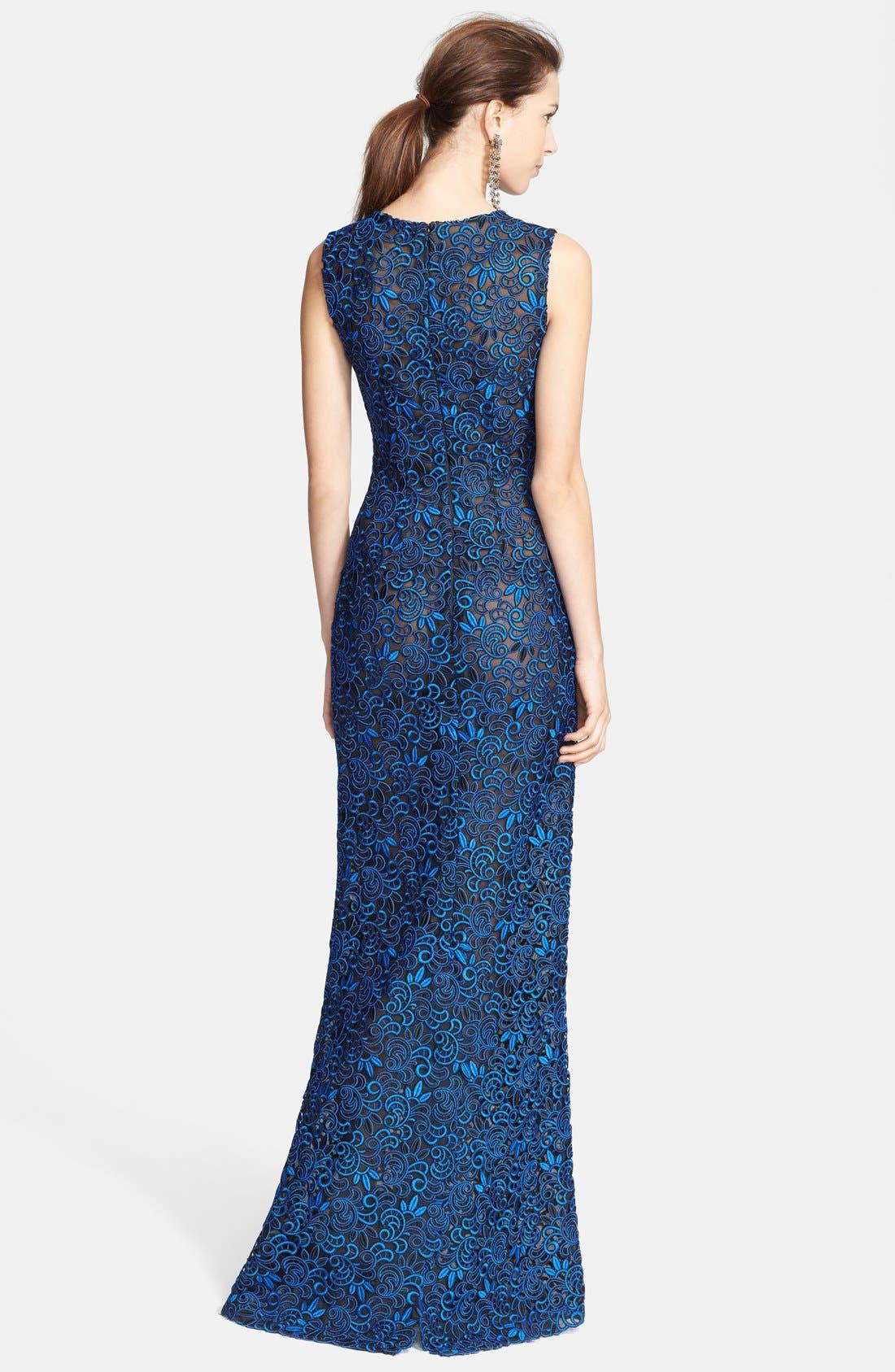 Alternate Image 2  - Oscar de la Renta Embroidered Silk Column Gown