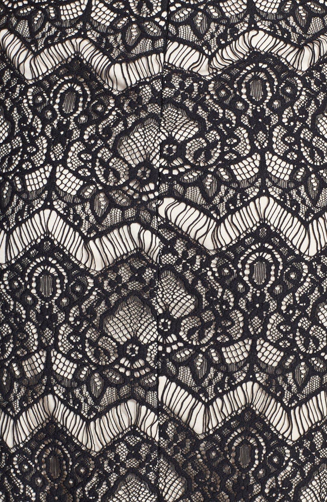 Alternate Image 3  - Filtre Illusion Cutout Lace Body-Con Dress