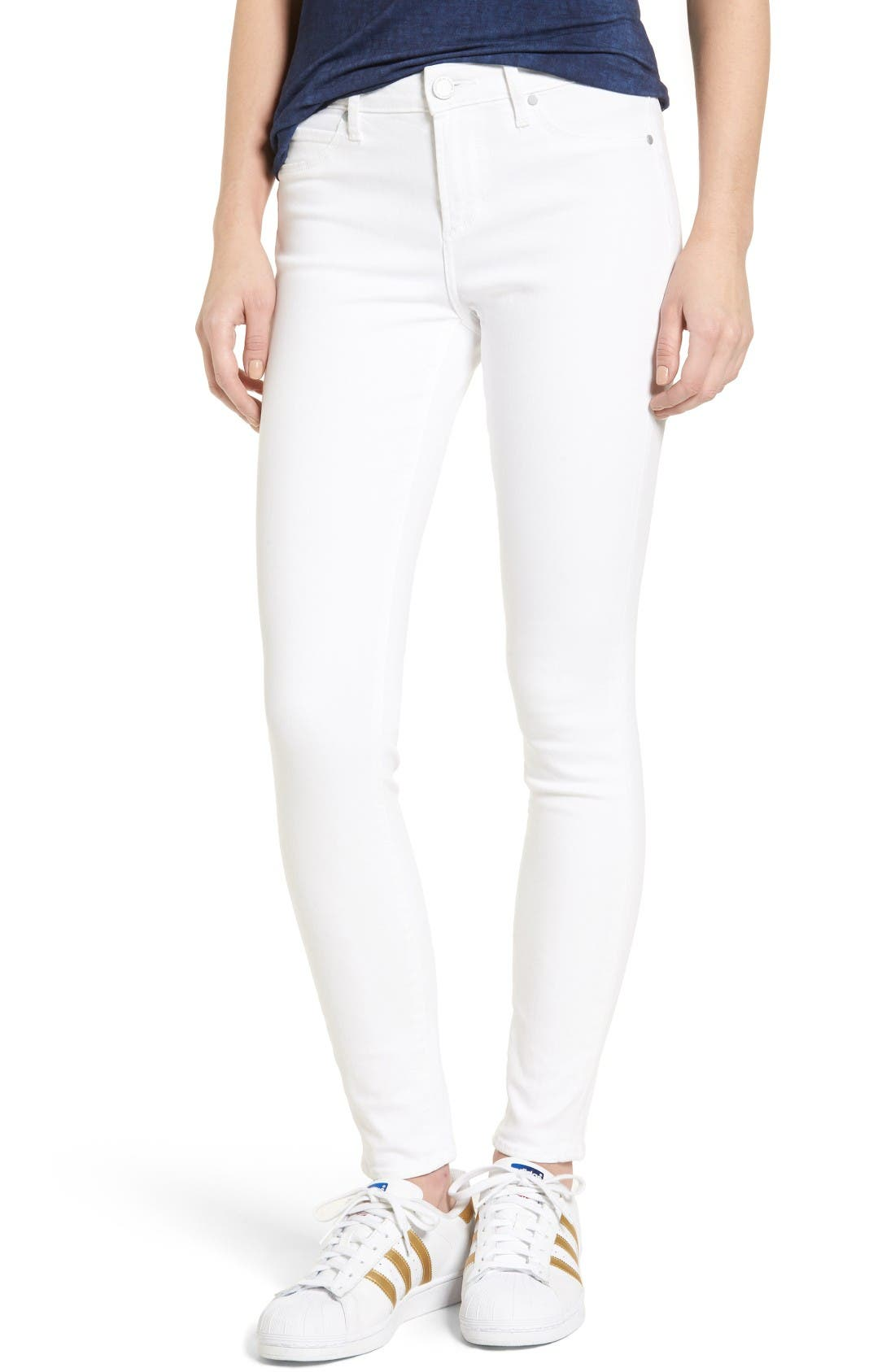 Main Image - Articles of Society Sarah Skinny Jeans (Clear White)
