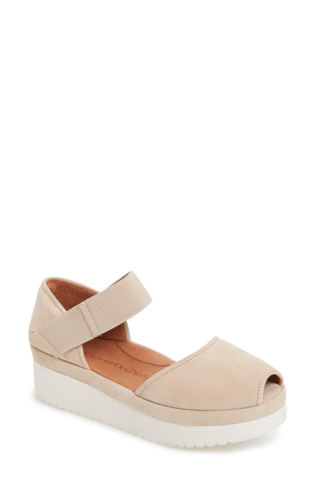 L'Amour des Pieds 'Amadour' Platform Sandal (Women)