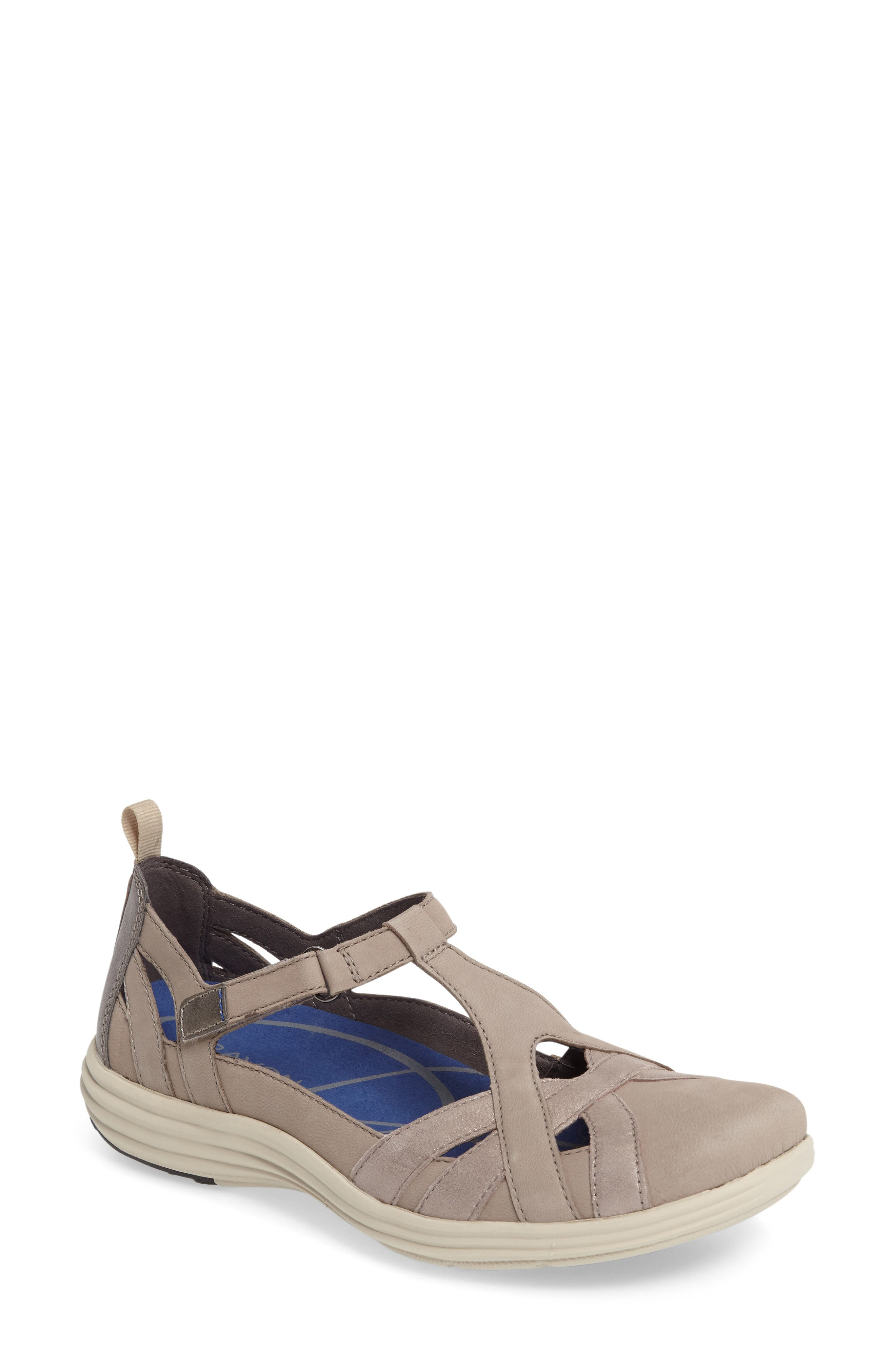 Aravon Beaumont Fisherman Flat (Women)