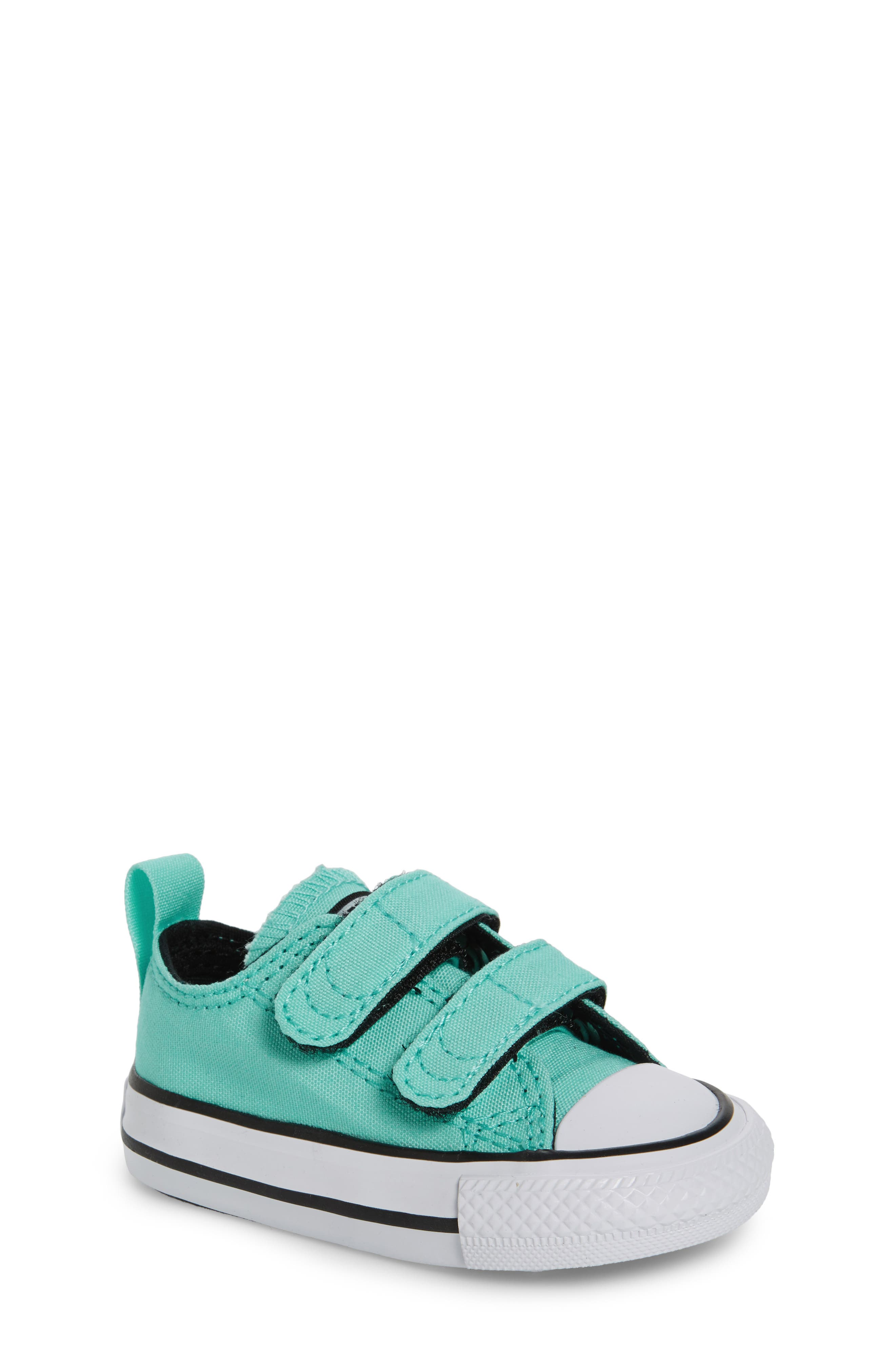 Converse Chuck Taylor® All Star® 2V Low-Top Sneaker (Baby, Walker & Toddler)