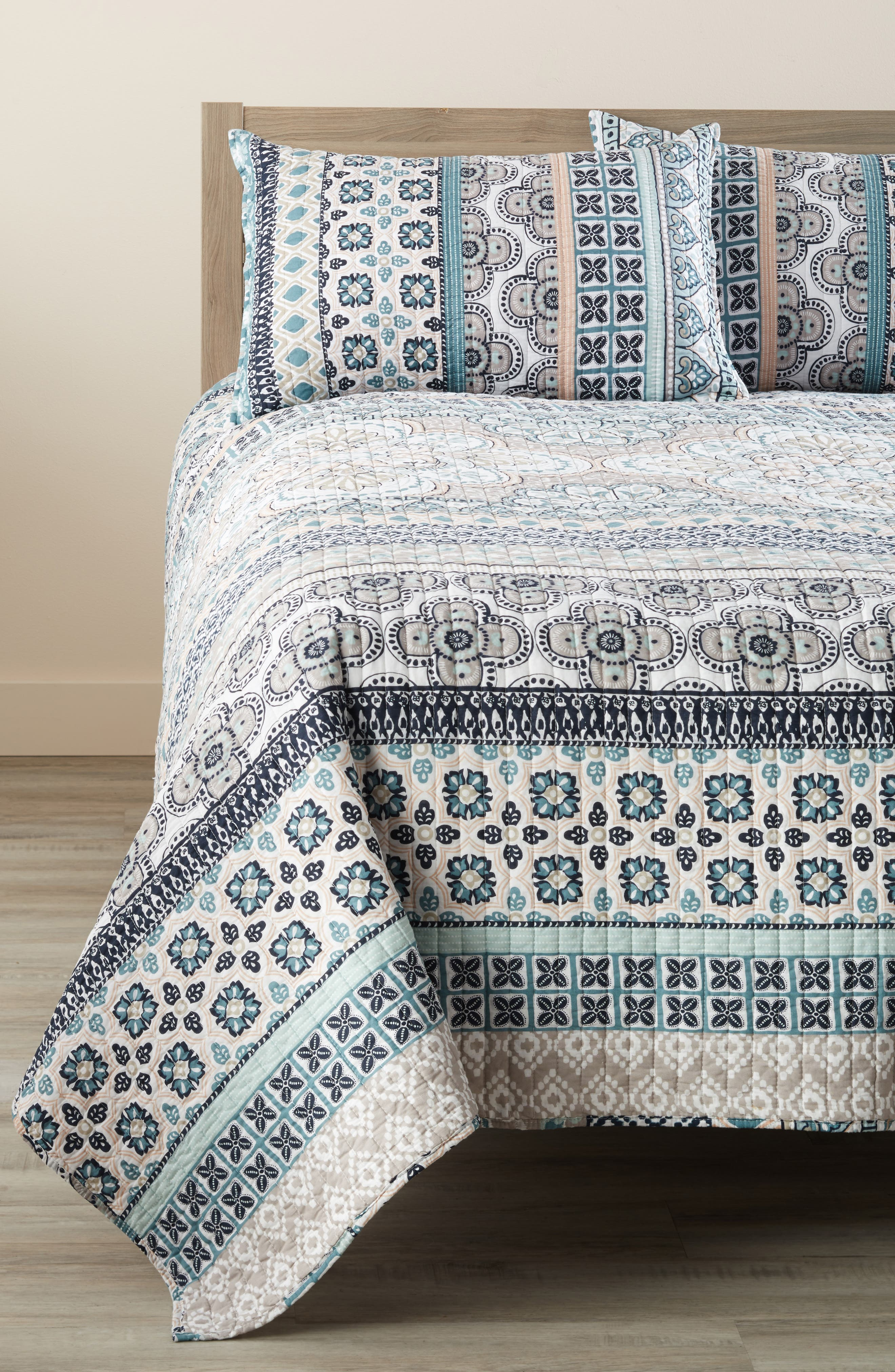 Addie Quilt,                         Main,                         color, Teal/ Grey