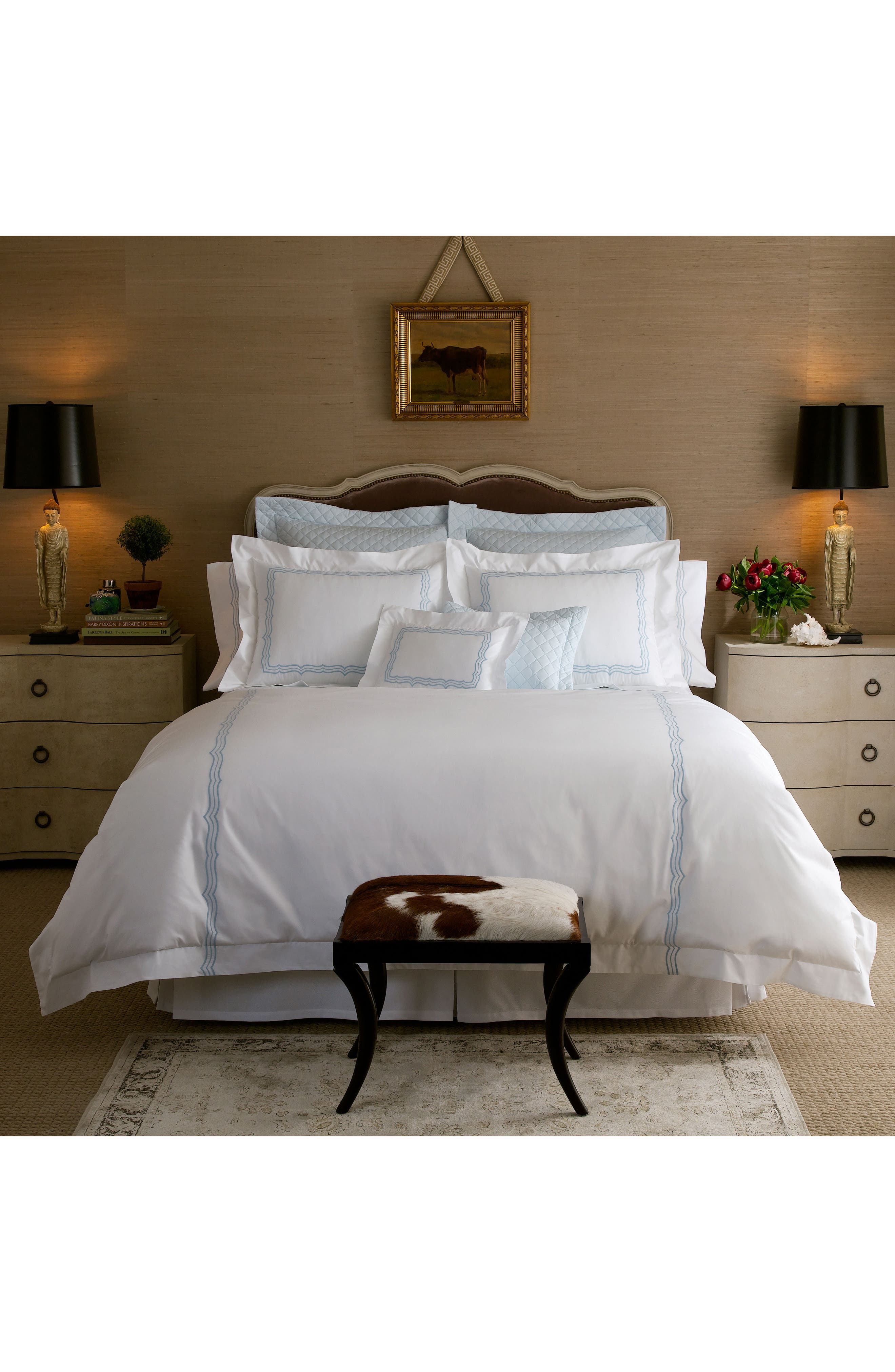 Alternate Image 1 Selected - Matouk Paola 520 Thread Count Duvet Cover