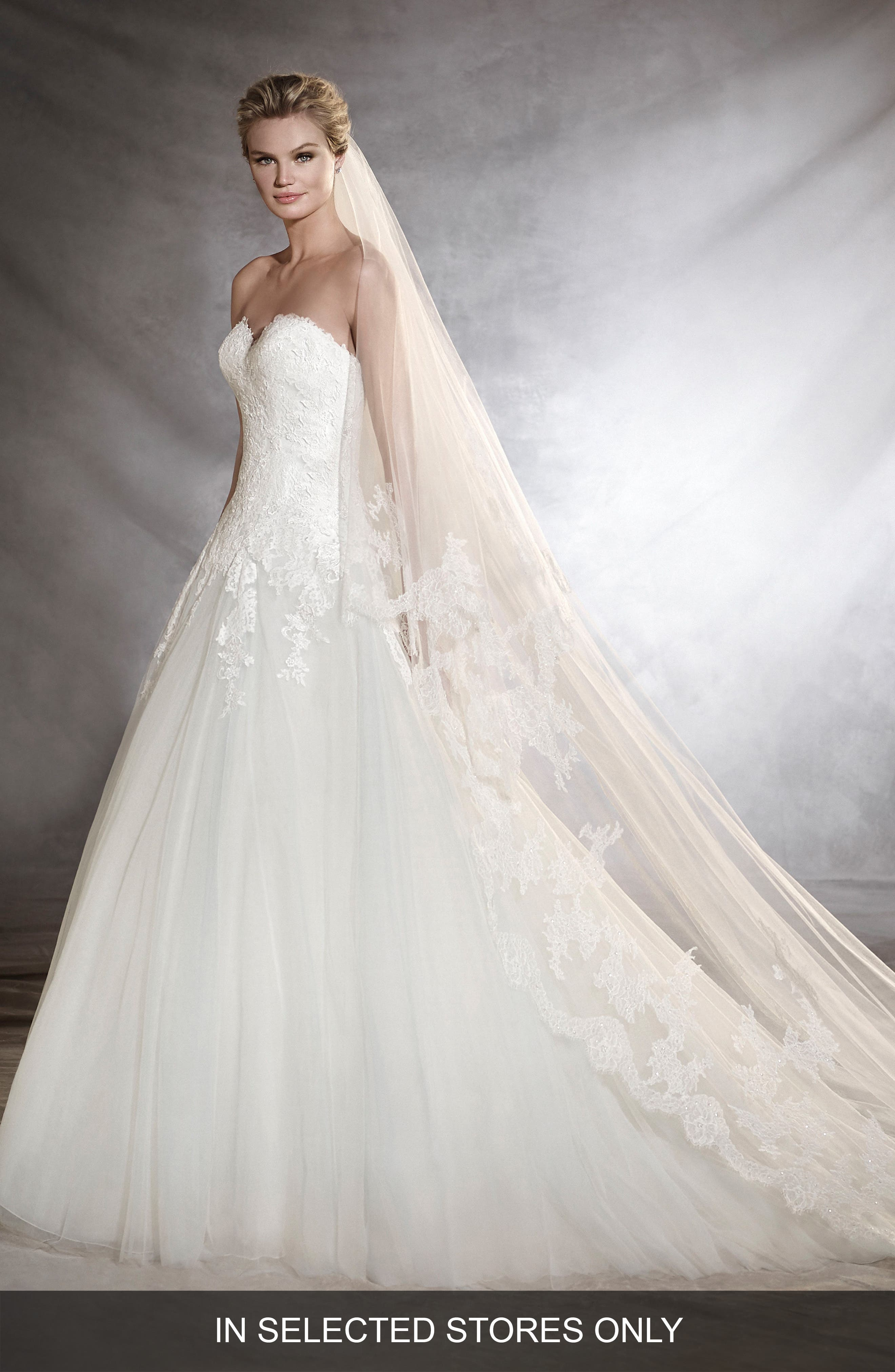 Main Image - Pronovias Oblea Strapless Tulle Gown