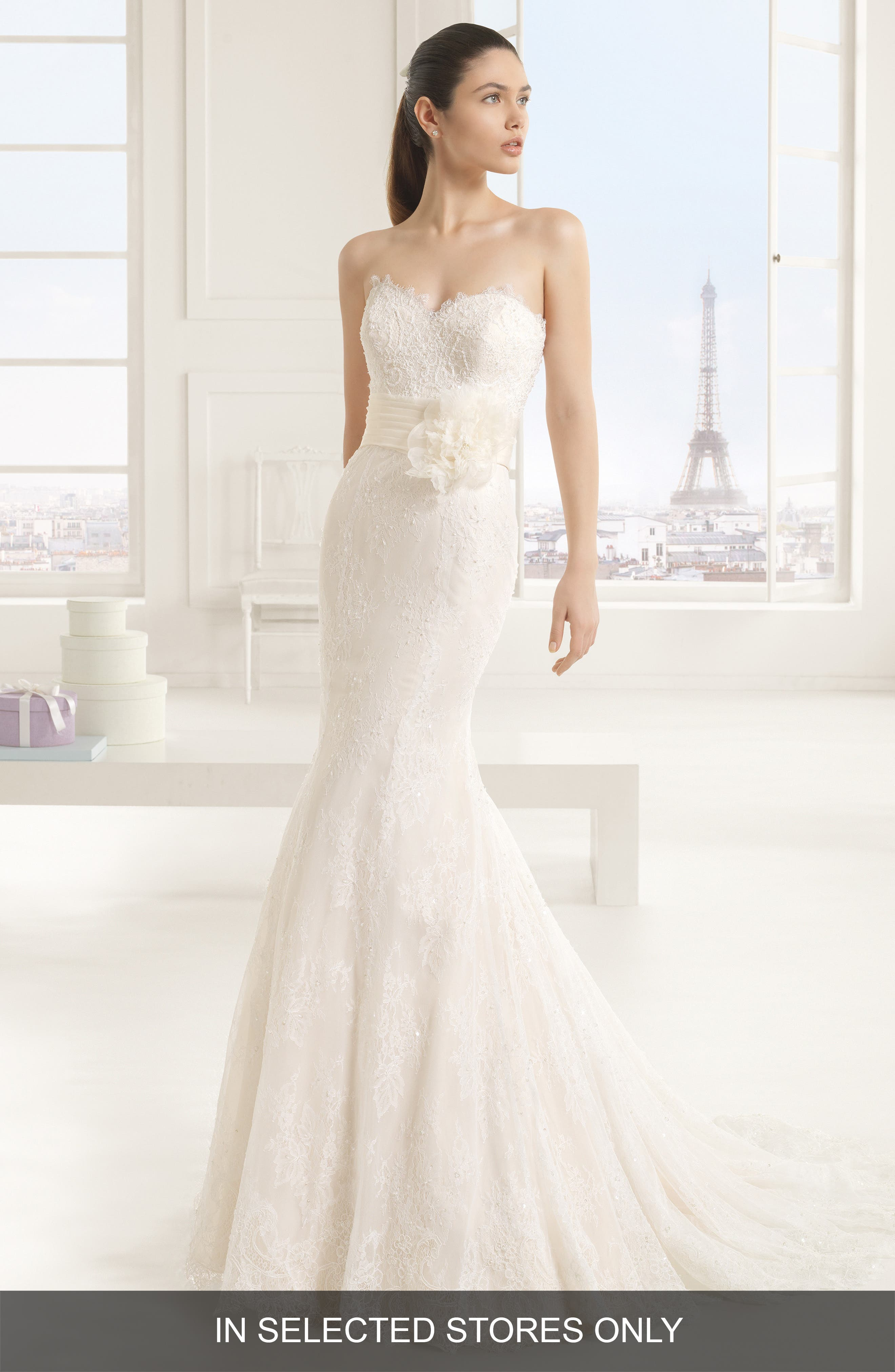 Eva Strapless Beaded Lace Tulle Mermaid Dress,                         Main,                         color, Ivory