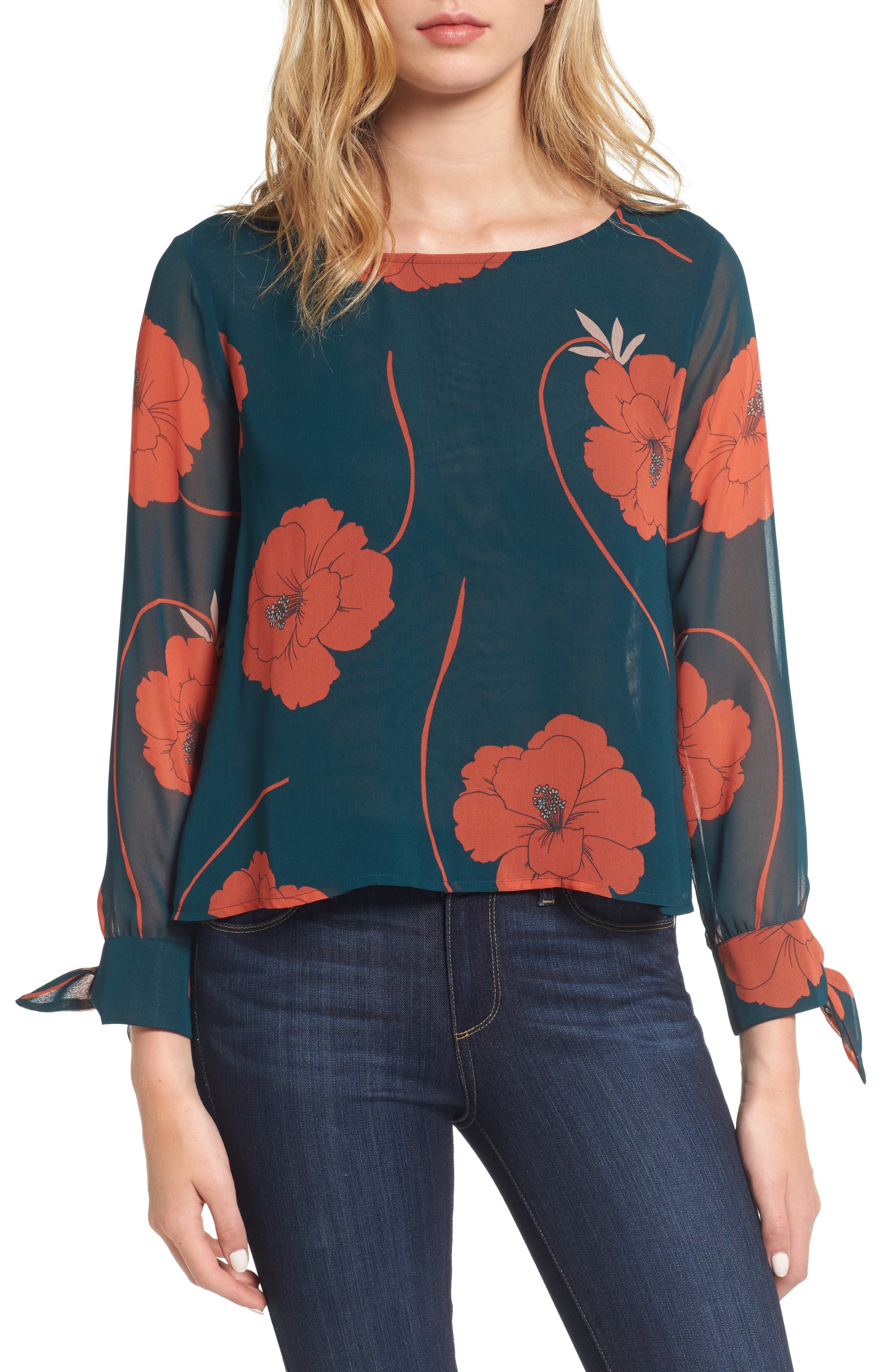 CUPCAKES AND CASHMERE Josette Floral Top