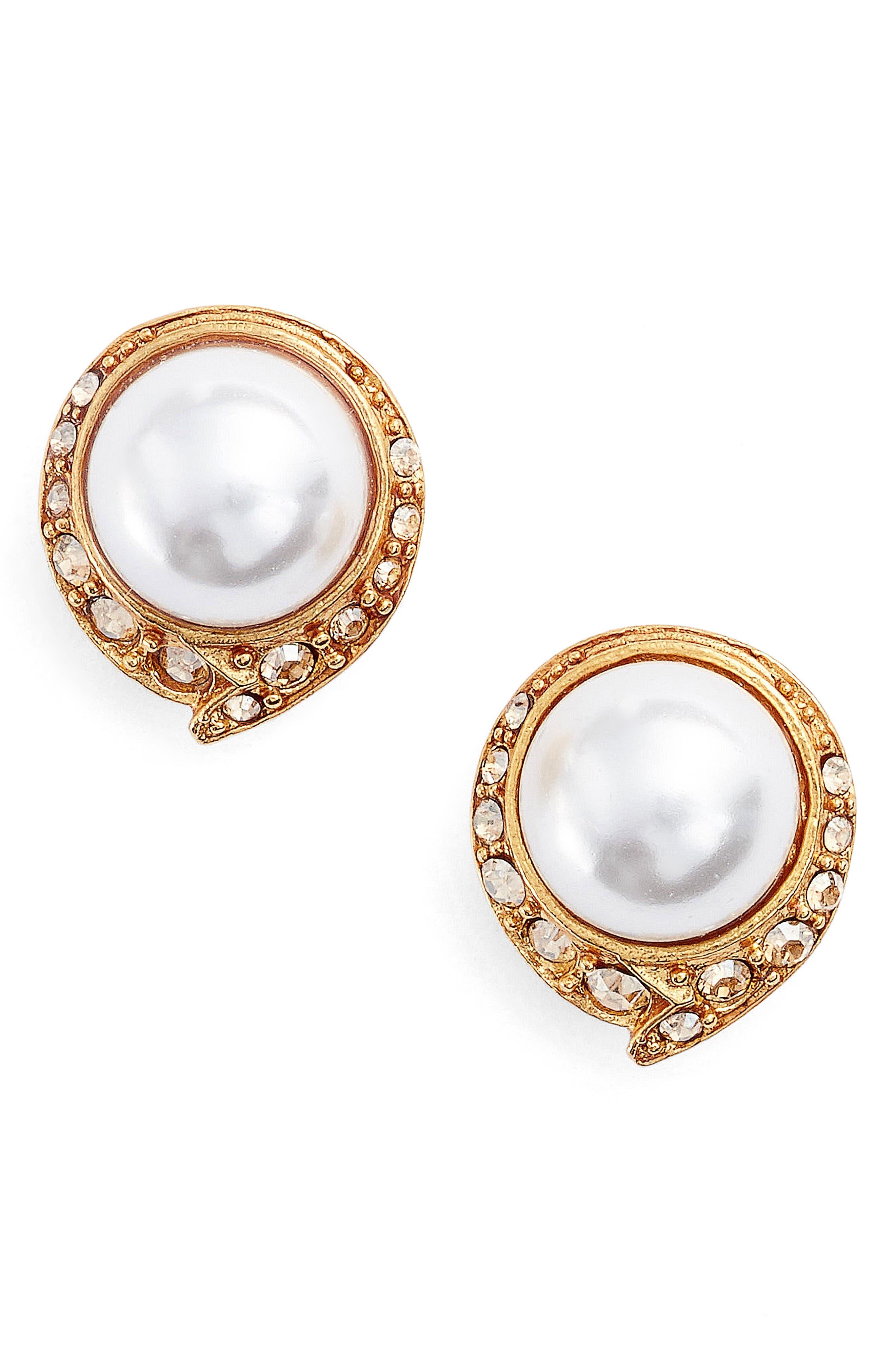 Alternate Image 1 Selected - Oscar de la Renta Simulated Pearl Stud Earrings