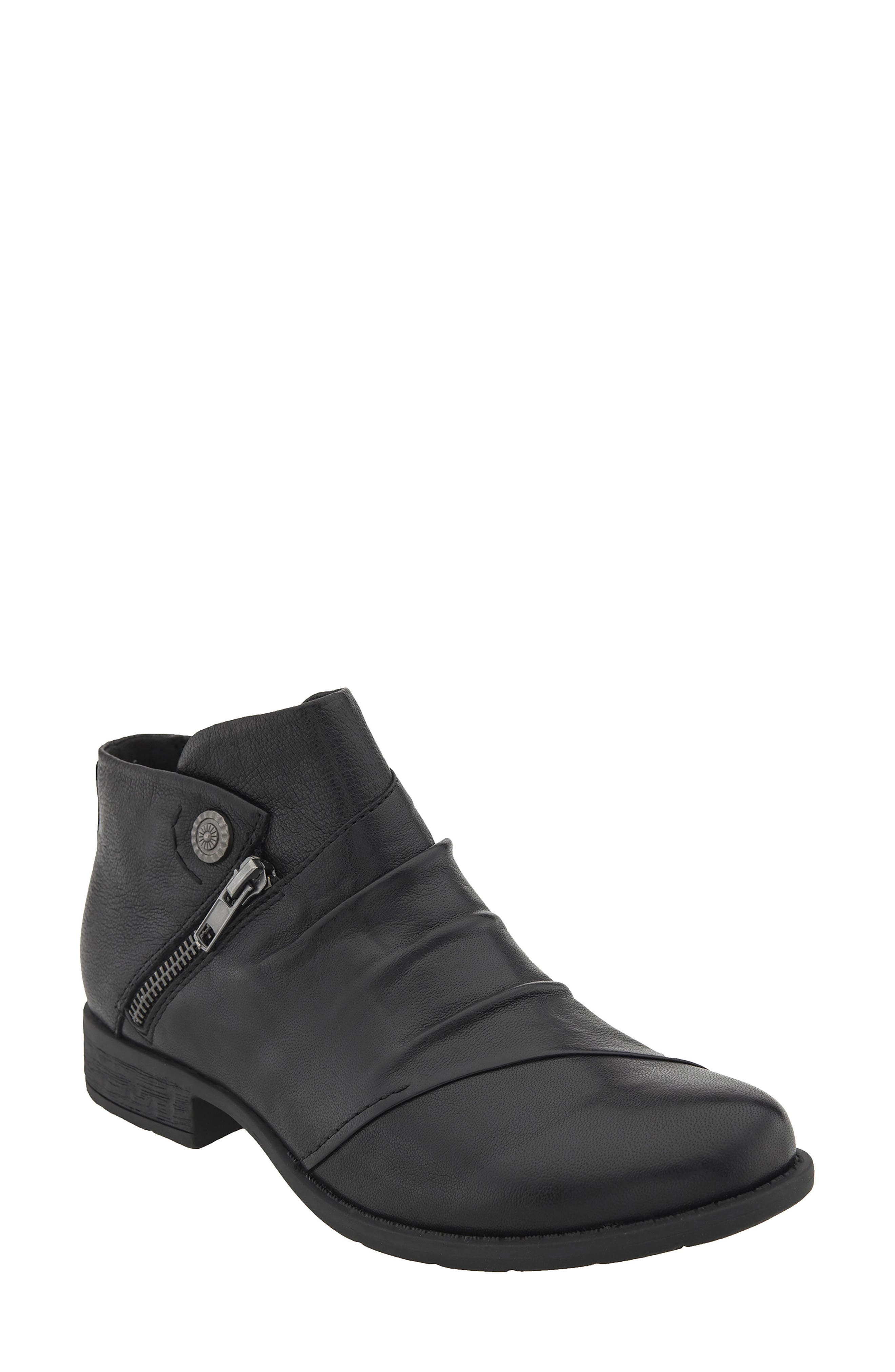 Earth® Ronan Bootie (Women)