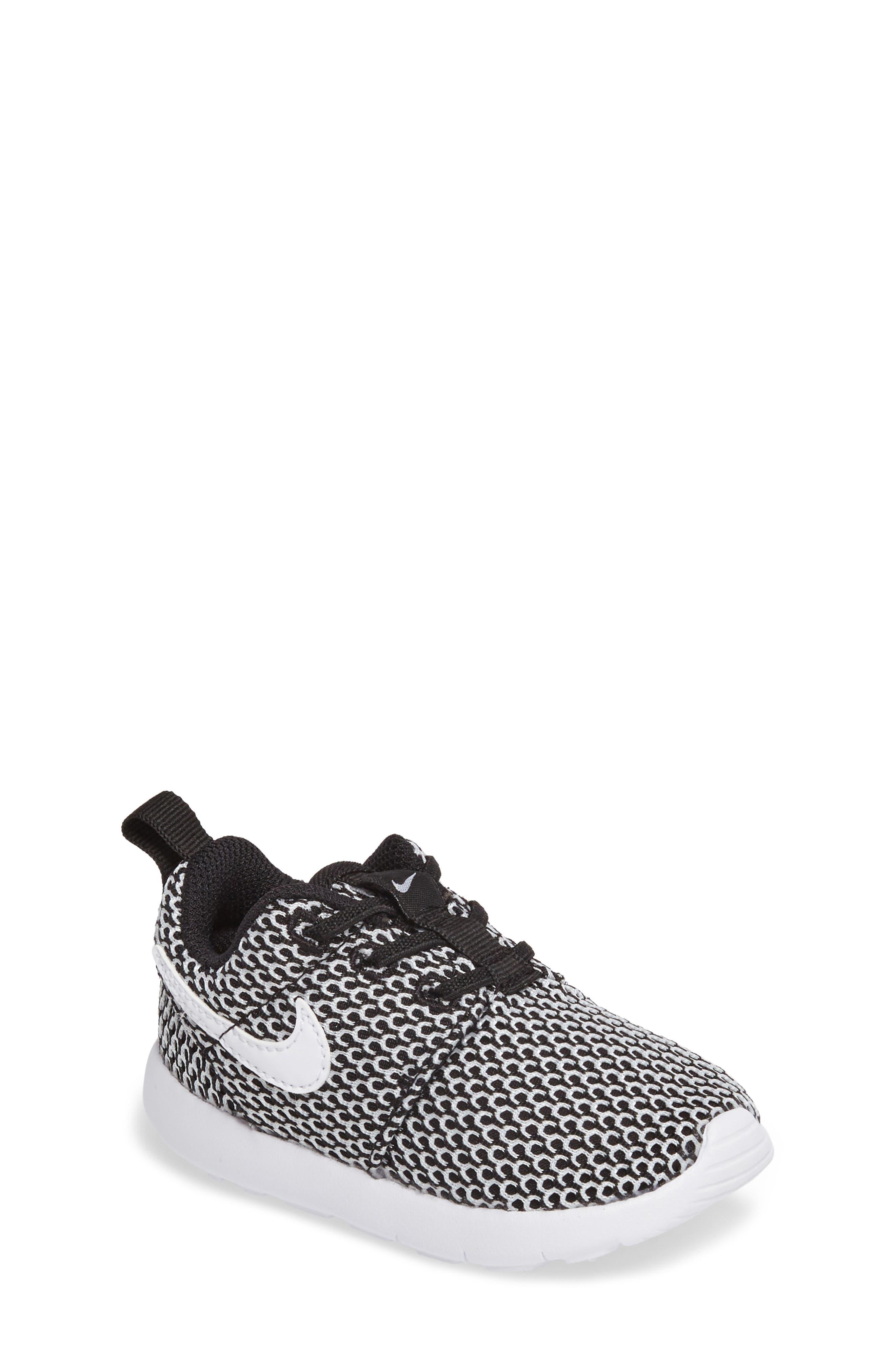Alternate Image 1 Selected - Nike 'Roshe Run' Sneaker (Baby, Walker & Toddler)