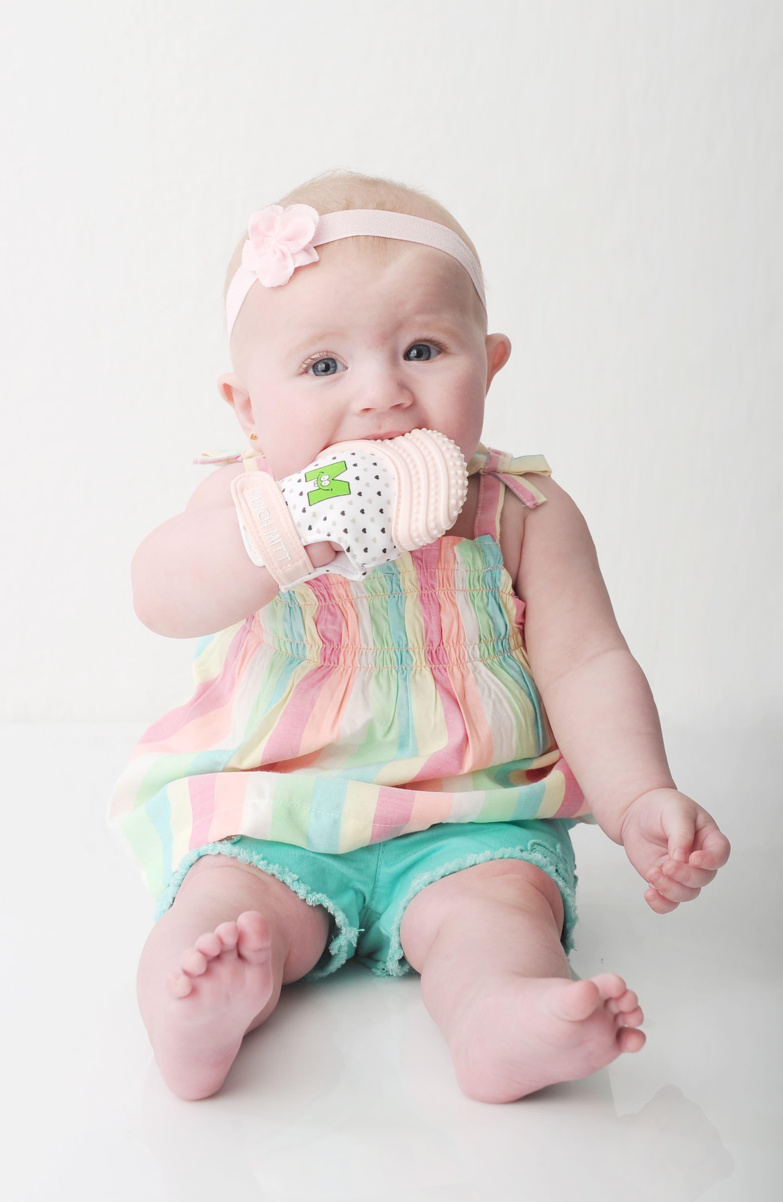 Teething Mitt,                             Alternate thumbnail 2, color,                             Pink Hearts