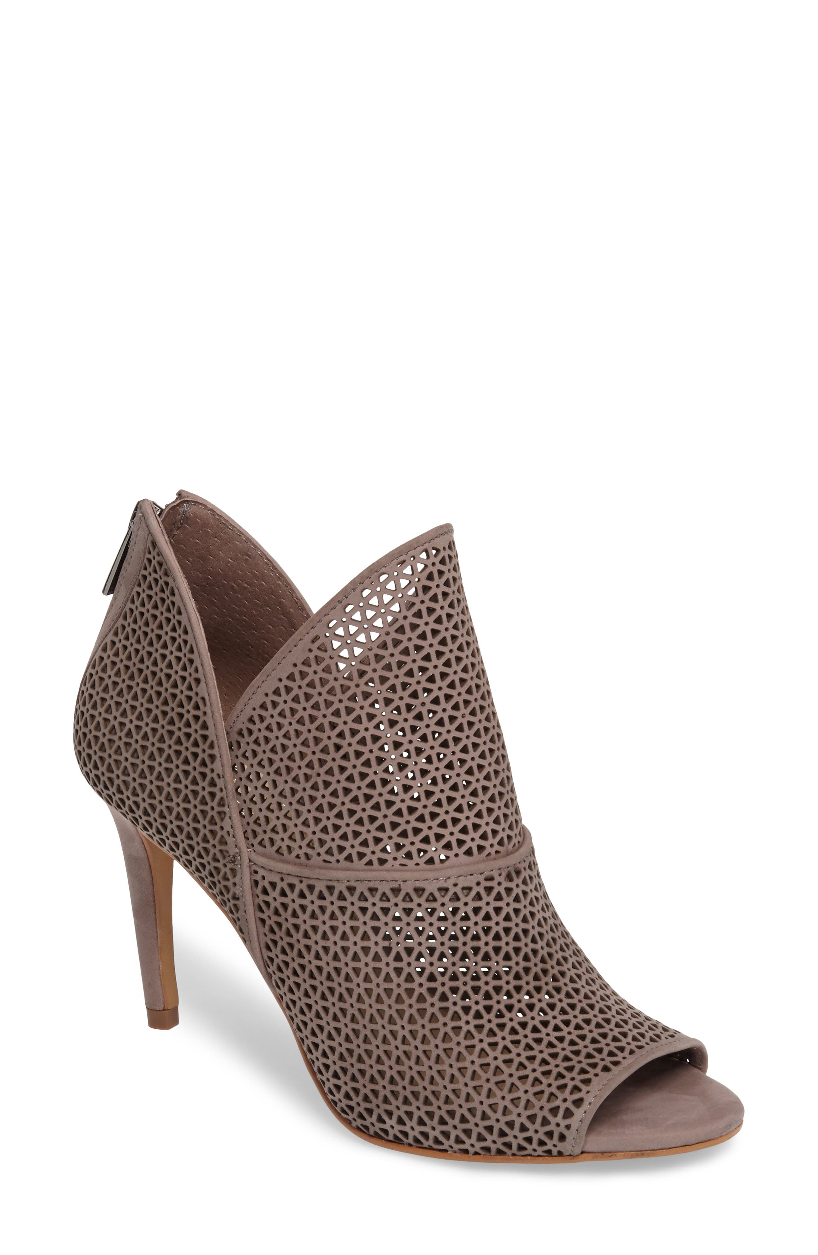 Alternate Image 1 Selected - Vince Camuto Vatena Bootie (Women)