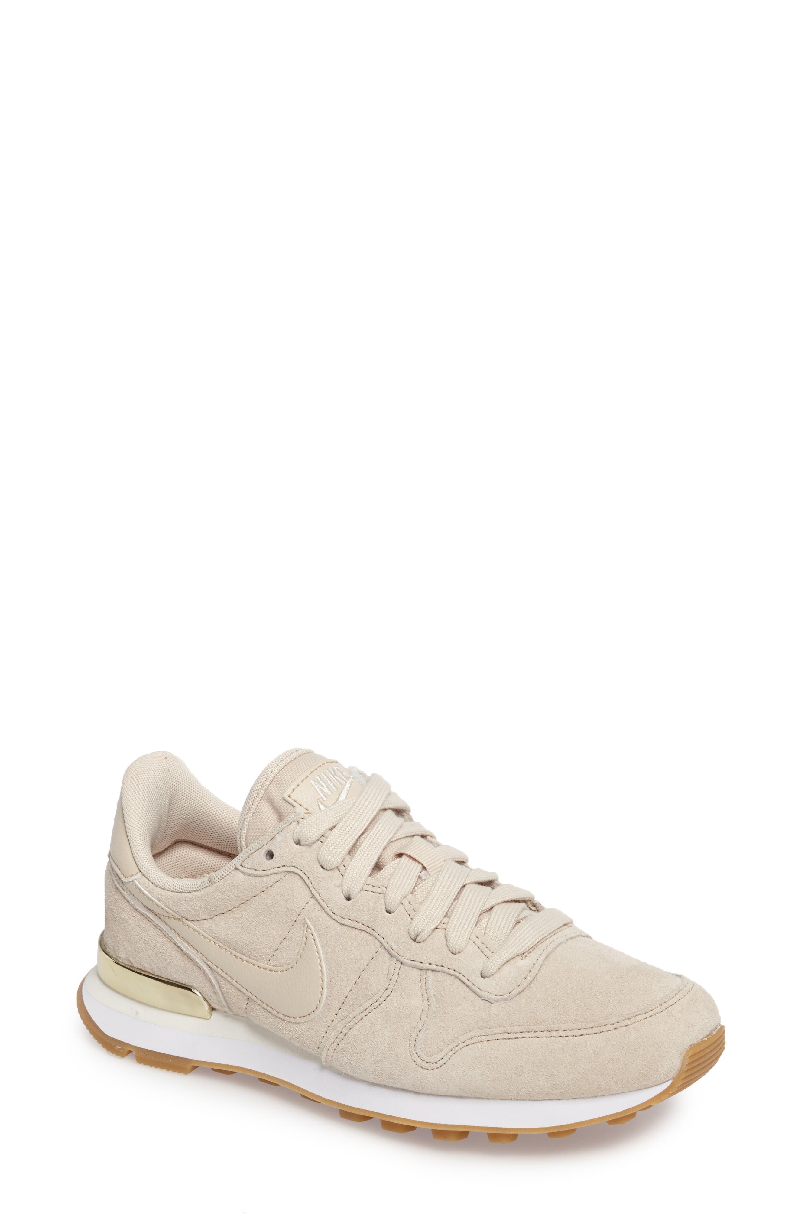 Alternate Image 1 Selected - Nike Internationalist SD Sneaker (Women)
