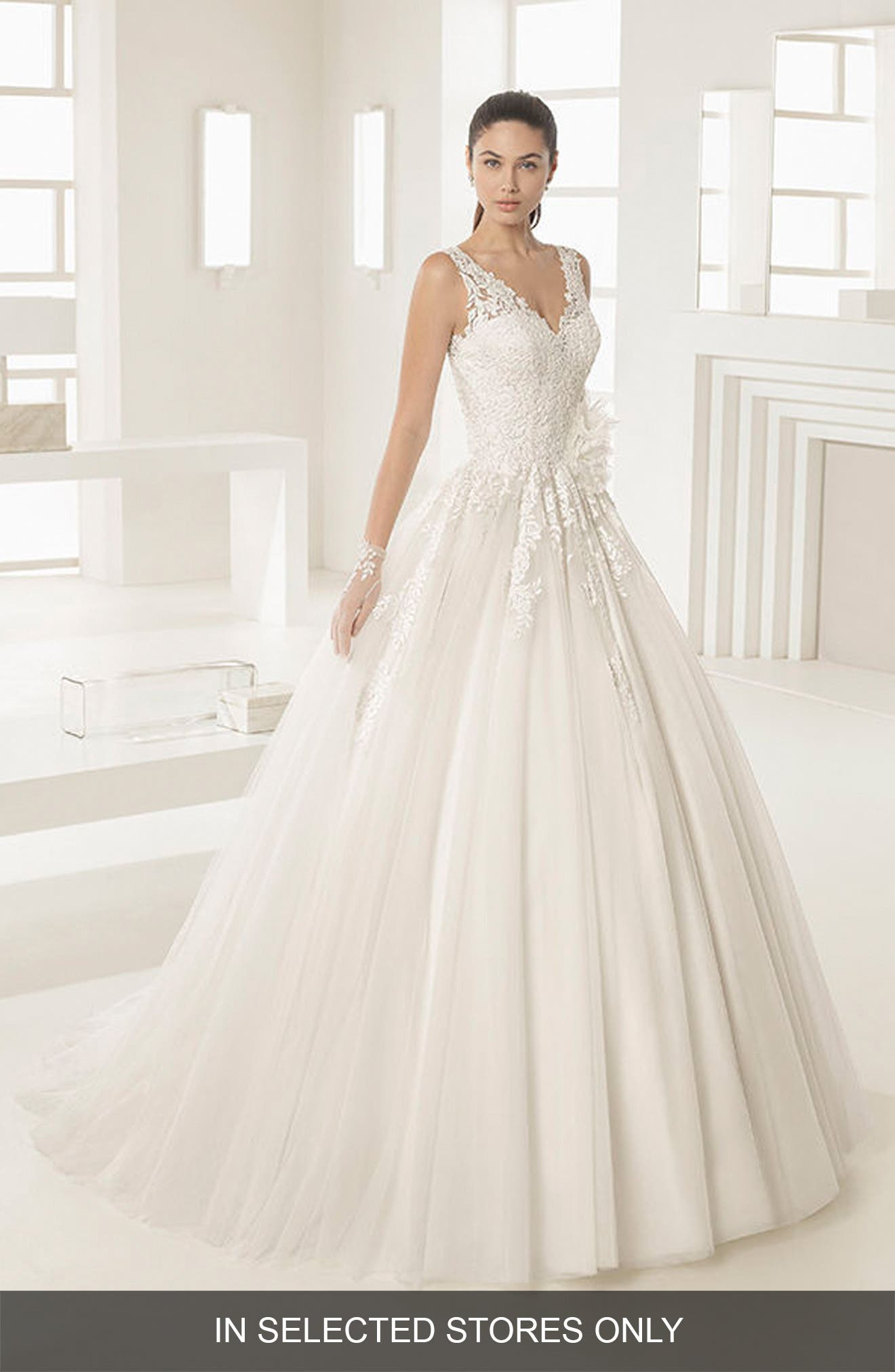 Alternate Image 1 Selected - Rosa Clara Octubre V-Neck Lace & Tulle Ballgown