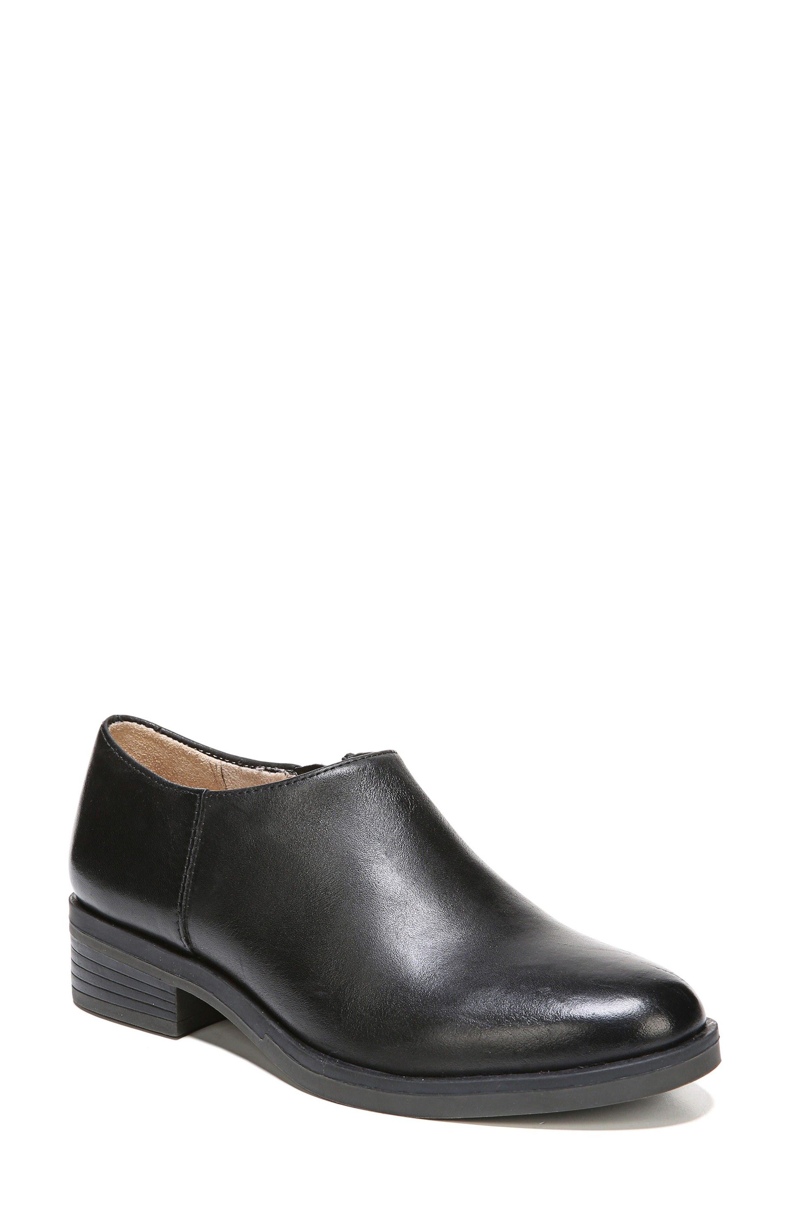 Main Image - Naturalizer Reagan Bootie (Women)