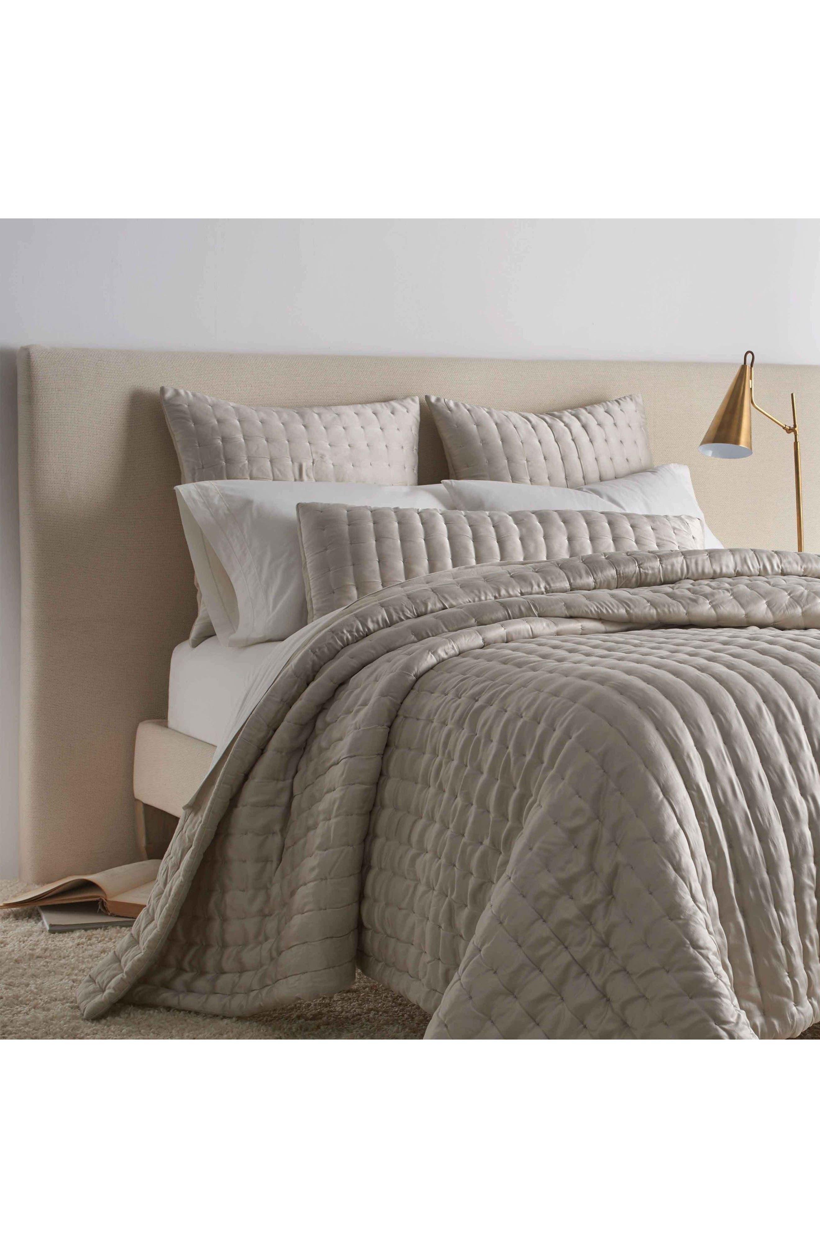 Main Image - Portico Aesthete Silk Quilt