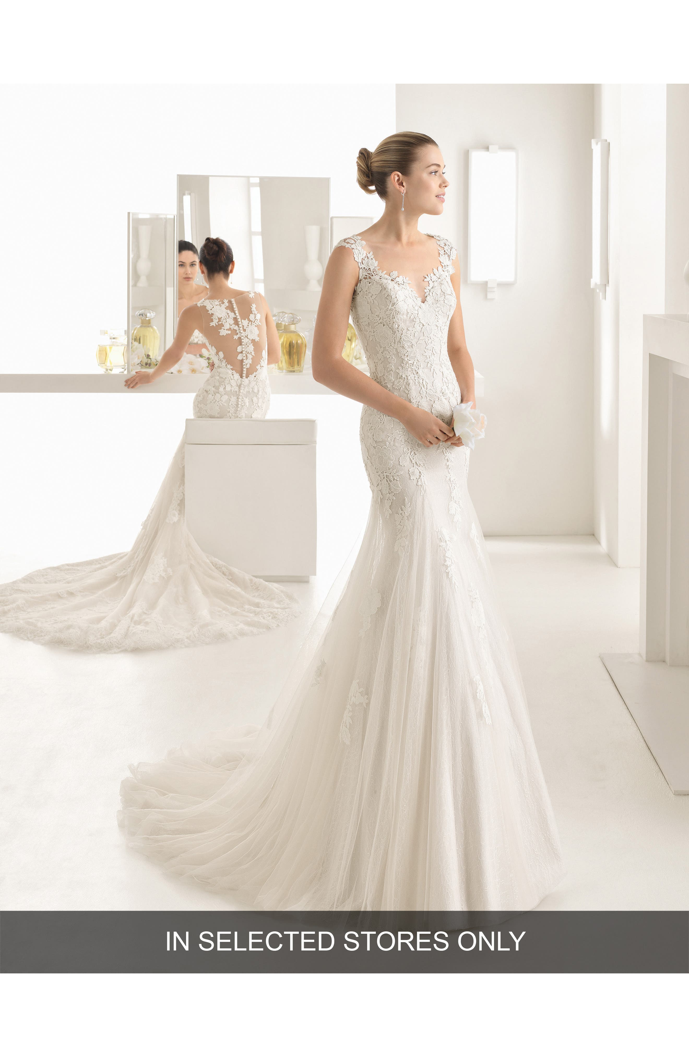 Oblicuo Guipure Lace Mermaid Gown,                         Main,                         color, Natural