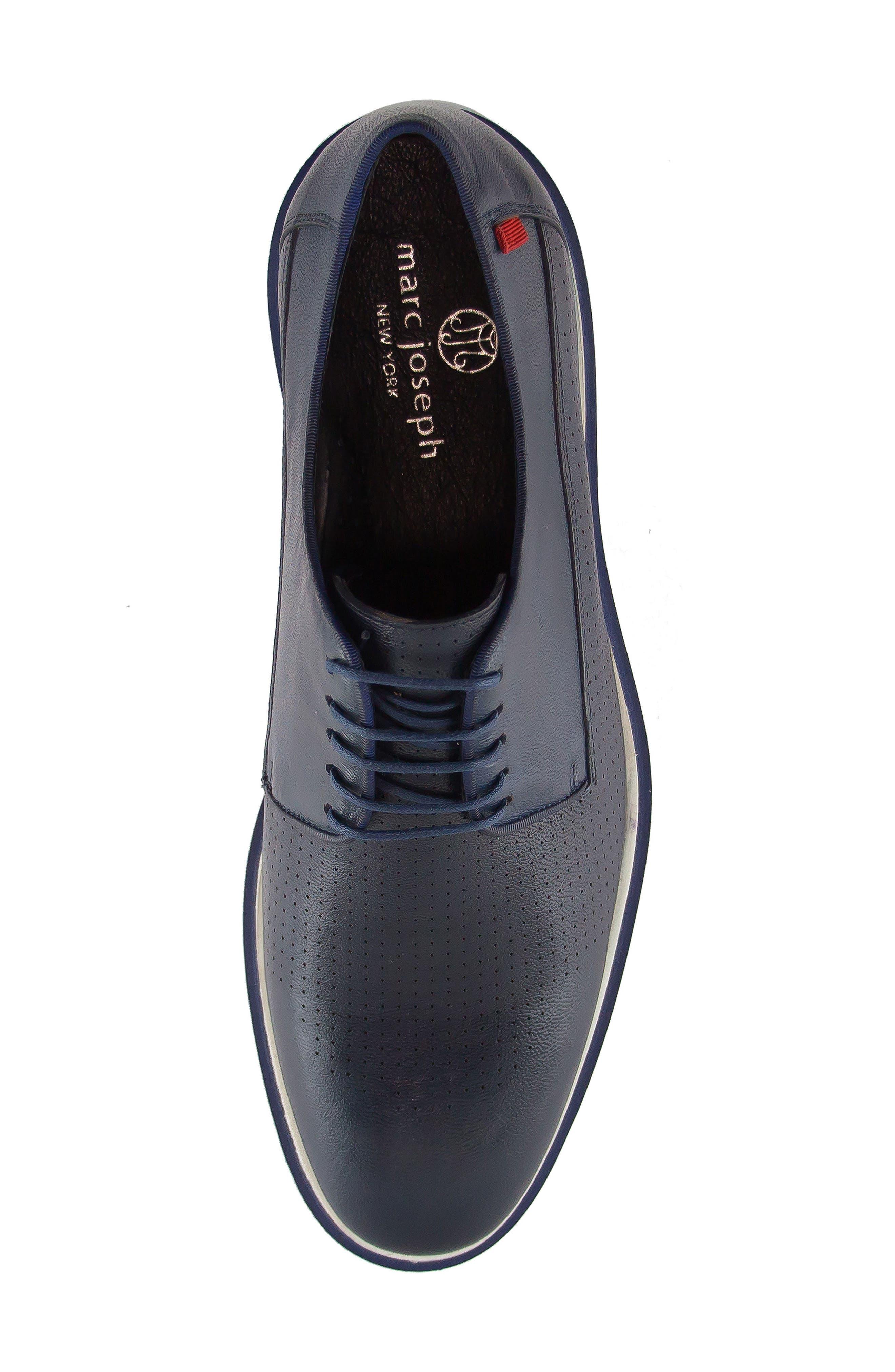 Manhattan Sneaker,                             Alternate thumbnail 4, color,                             Navy