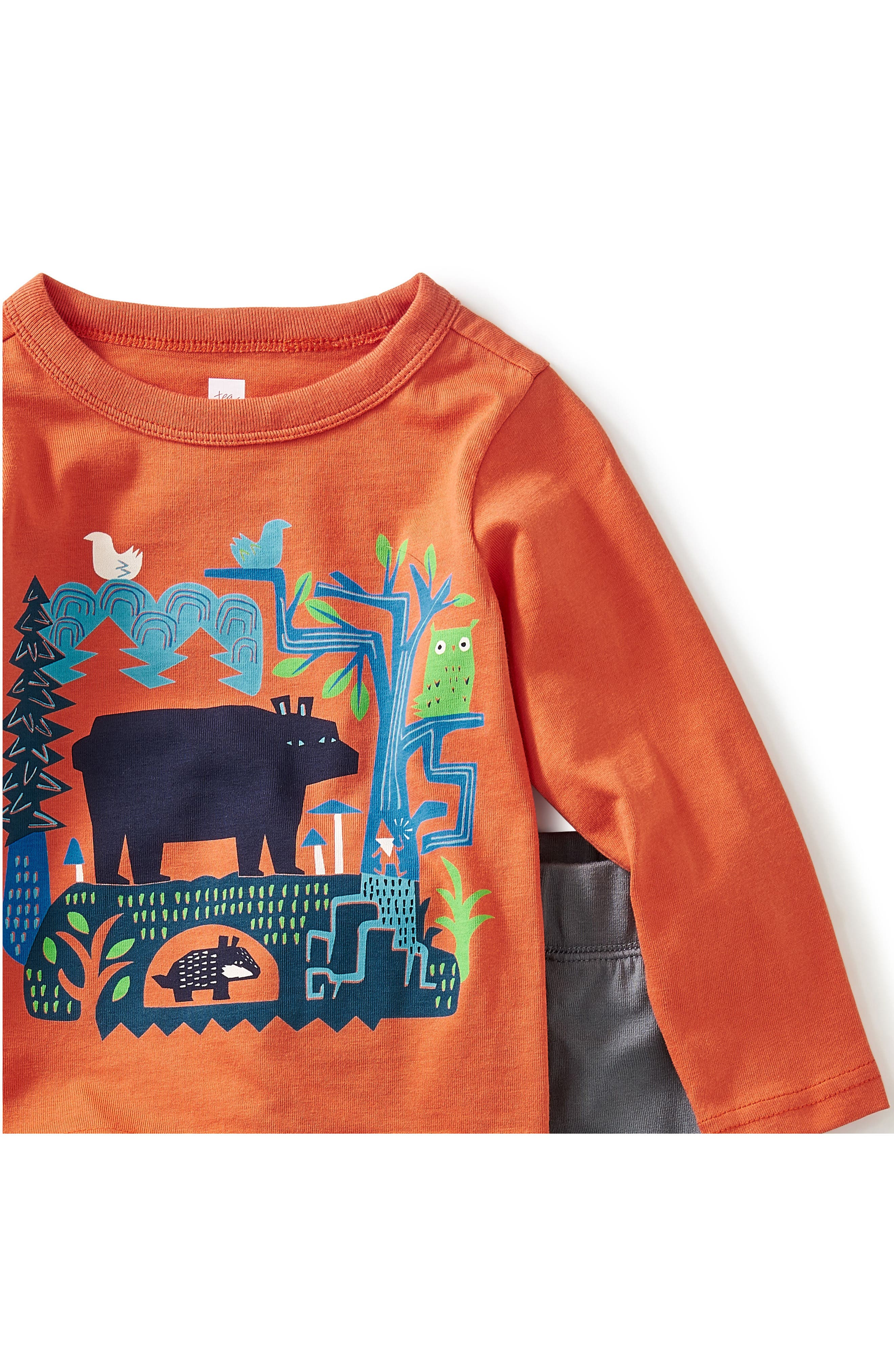 Alternate Image 2  - Tea Collection Bear Tale Graphic T-Shirt & Sweatpants Set (Baby Boys & Toddler Boys)