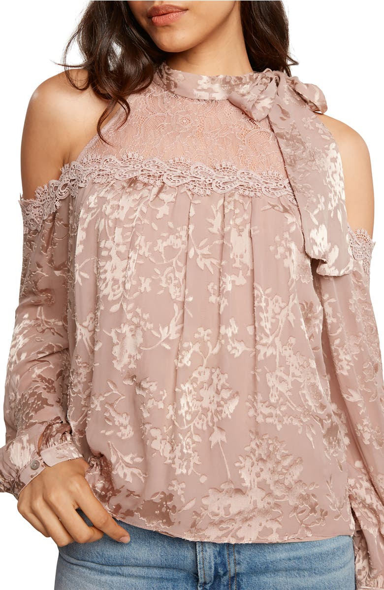 Willow & Clay COLD SHOULDER TOP