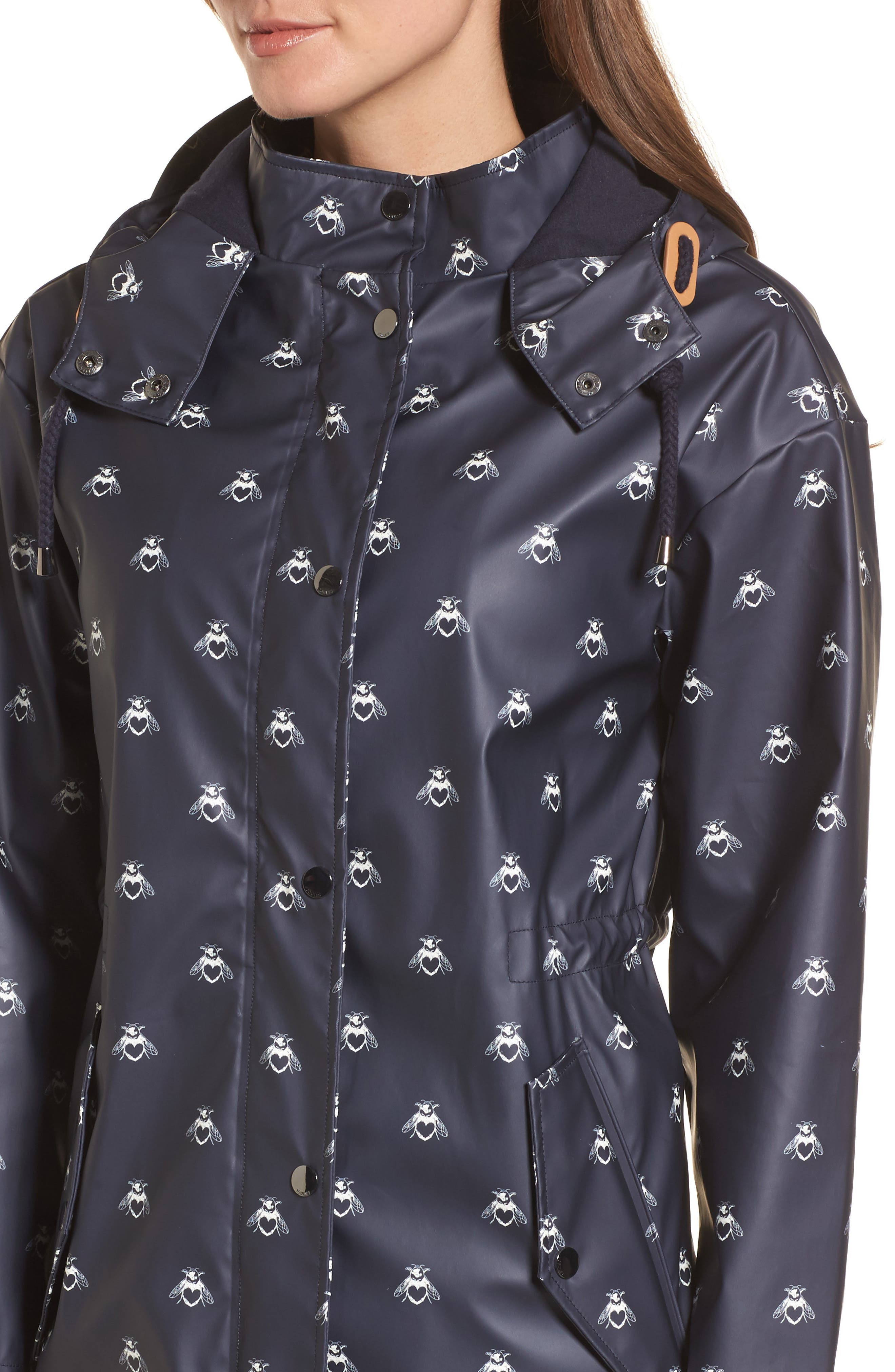 Right As Rain Packable Hooded Raincoat,                             Alternate thumbnail 4, color,                             Navy Love Bees