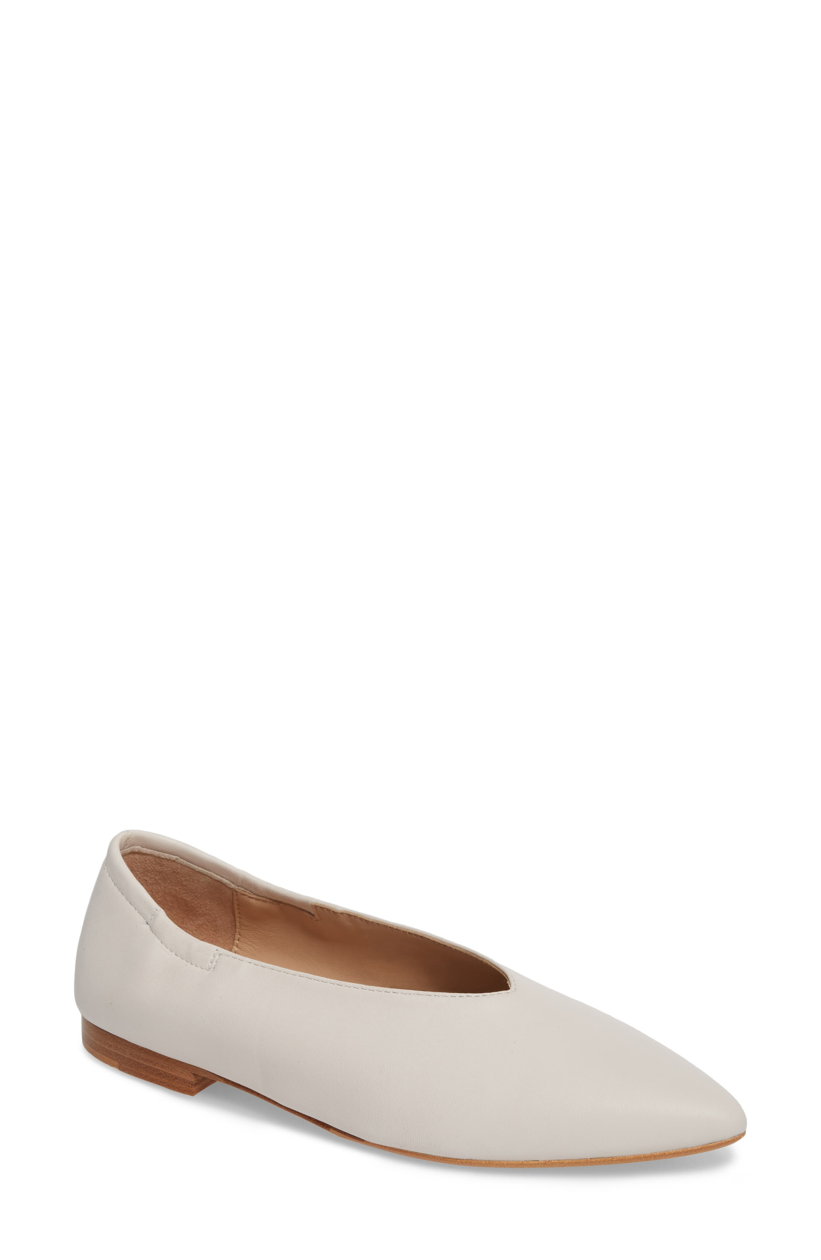 POUR LA VICTOIRE Women'S Leather Pointed Toe Flats in Ivory Leather
