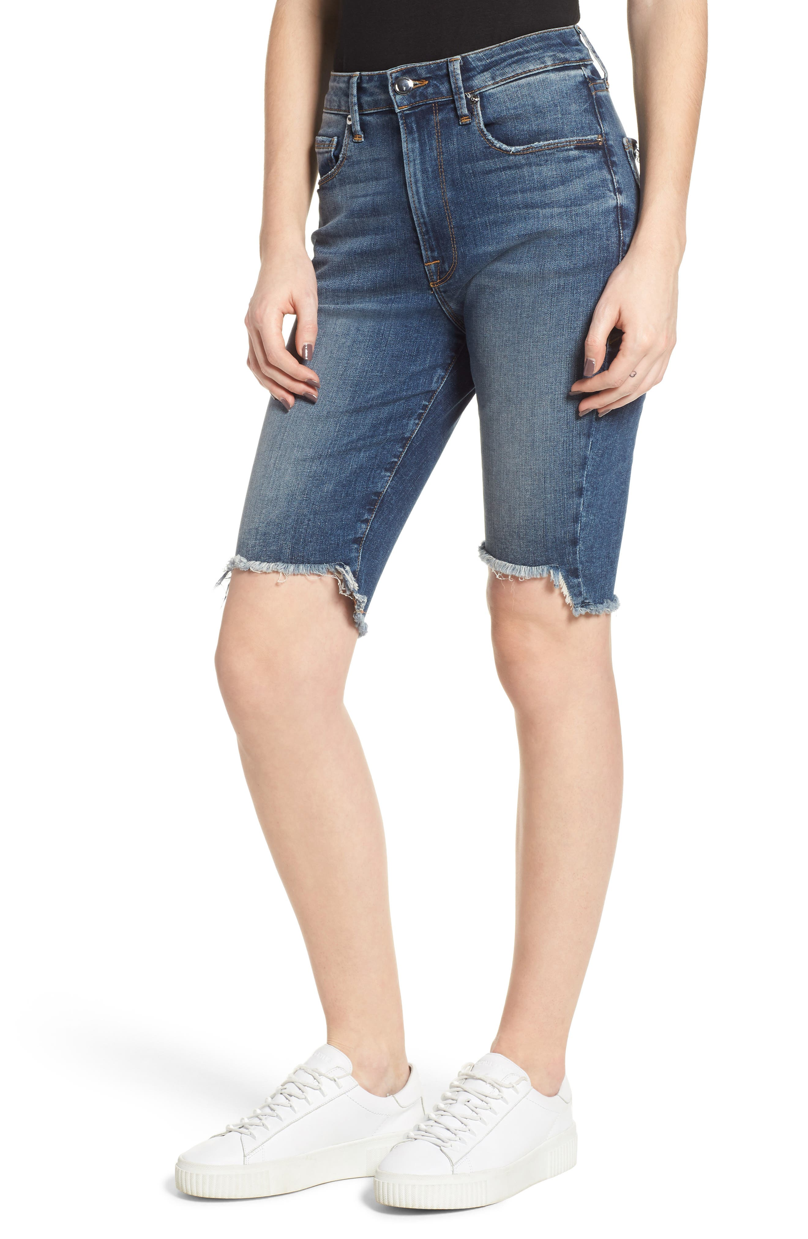 Good American The Stagger Hem Bermuda Shorts (Blue 148) (Regular & Plus Size)