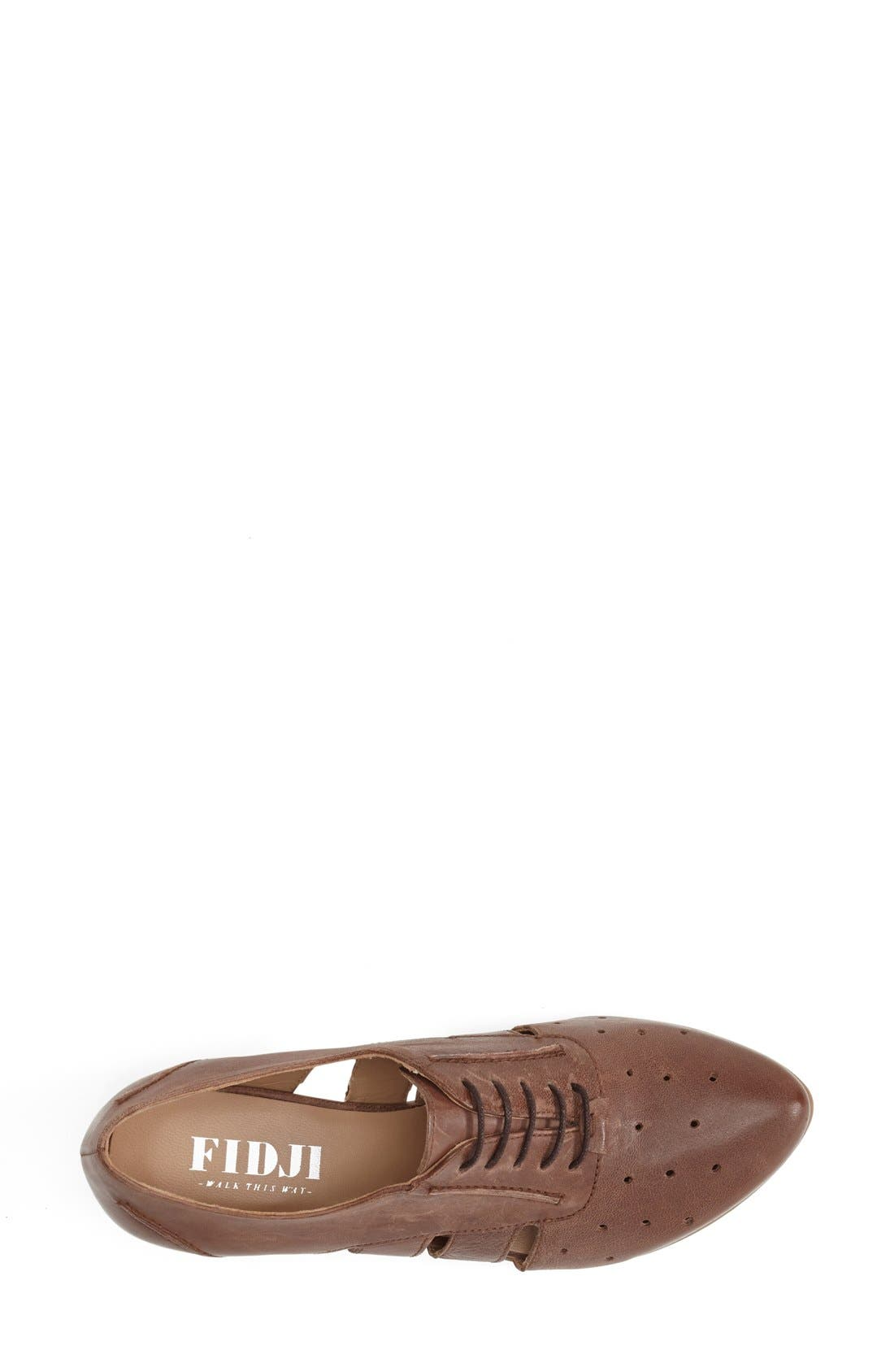 'VO92' Perforated Leather Pump,                             Alternate thumbnail 3, color,                             Brown