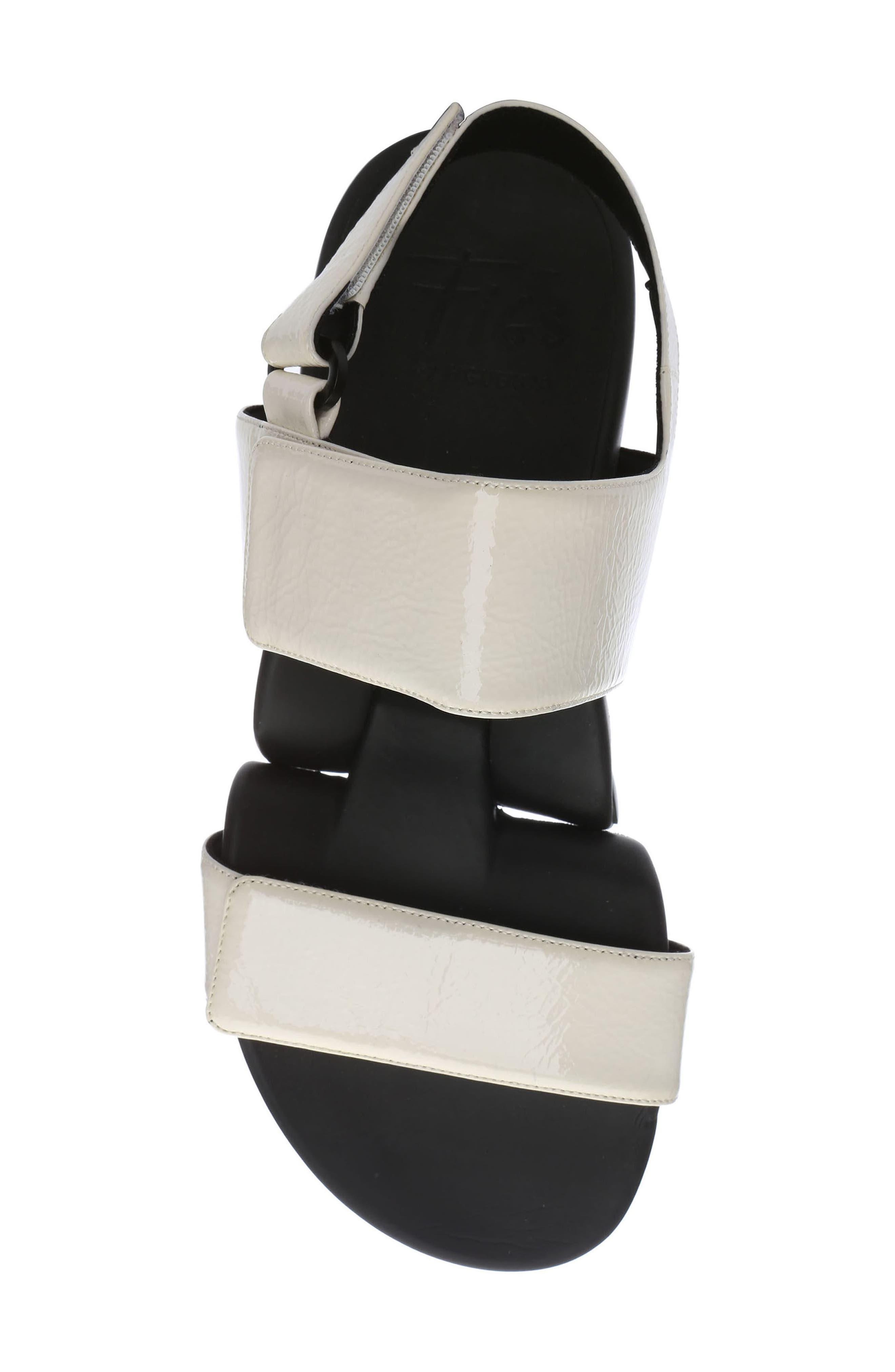 Figulous Sandal,                             Alternate thumbnail 3, color,                             White Crinkle Patent Leather