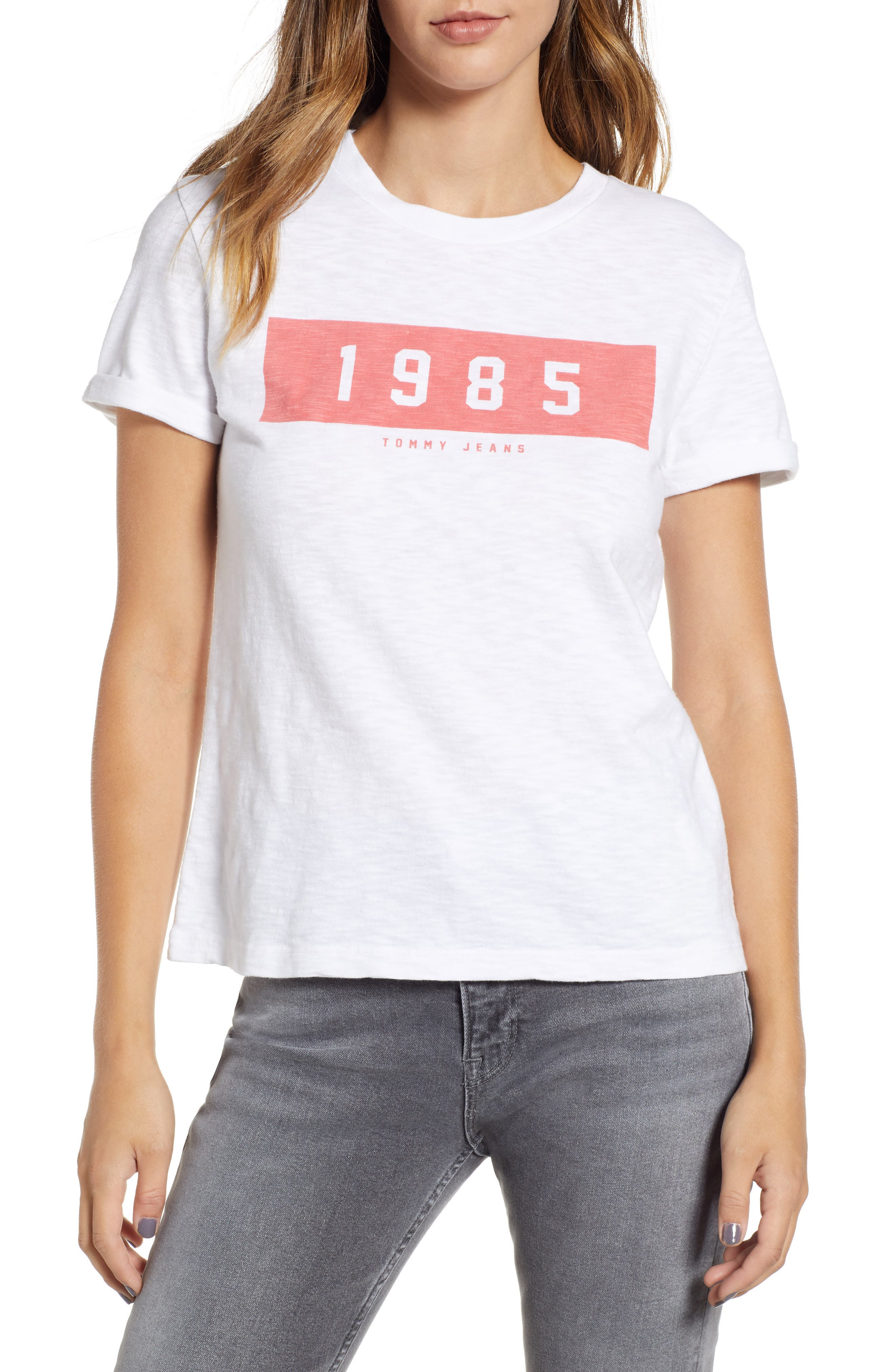 TOMMY JEANS BOLD 1985 TEE