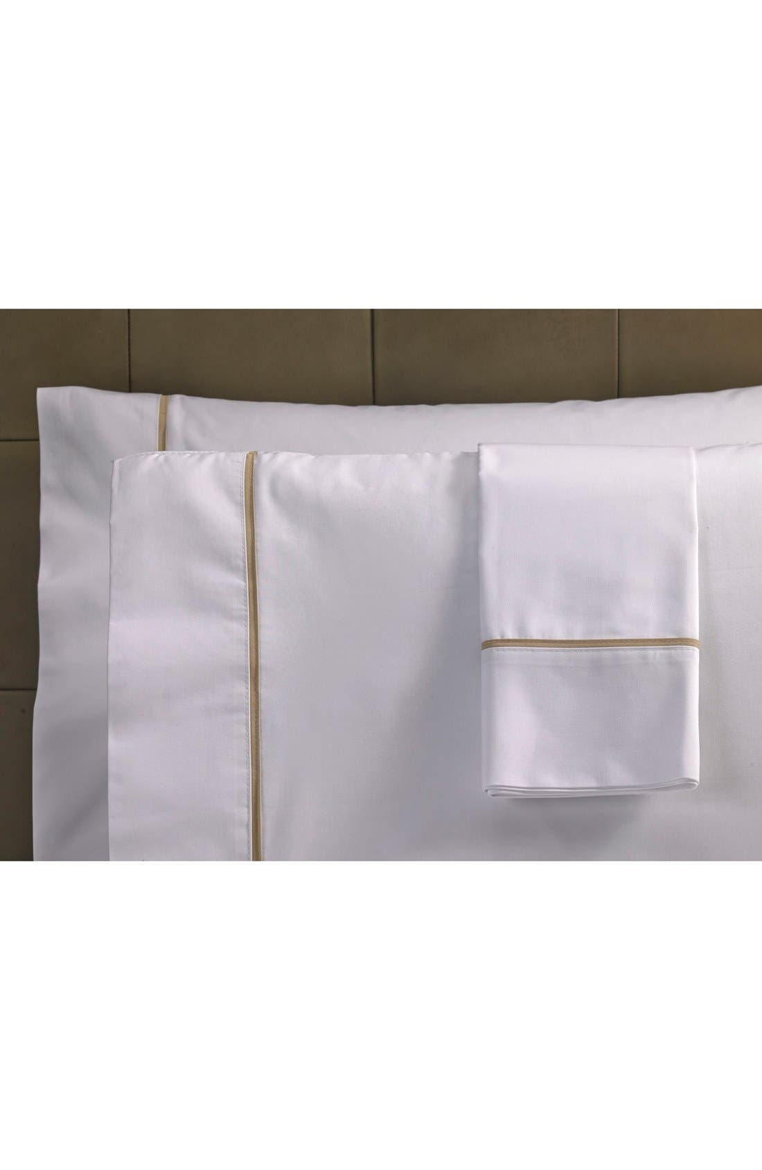 Ultra Luxe 600 Thread Count Pillowcase,                         Main,                         color, White