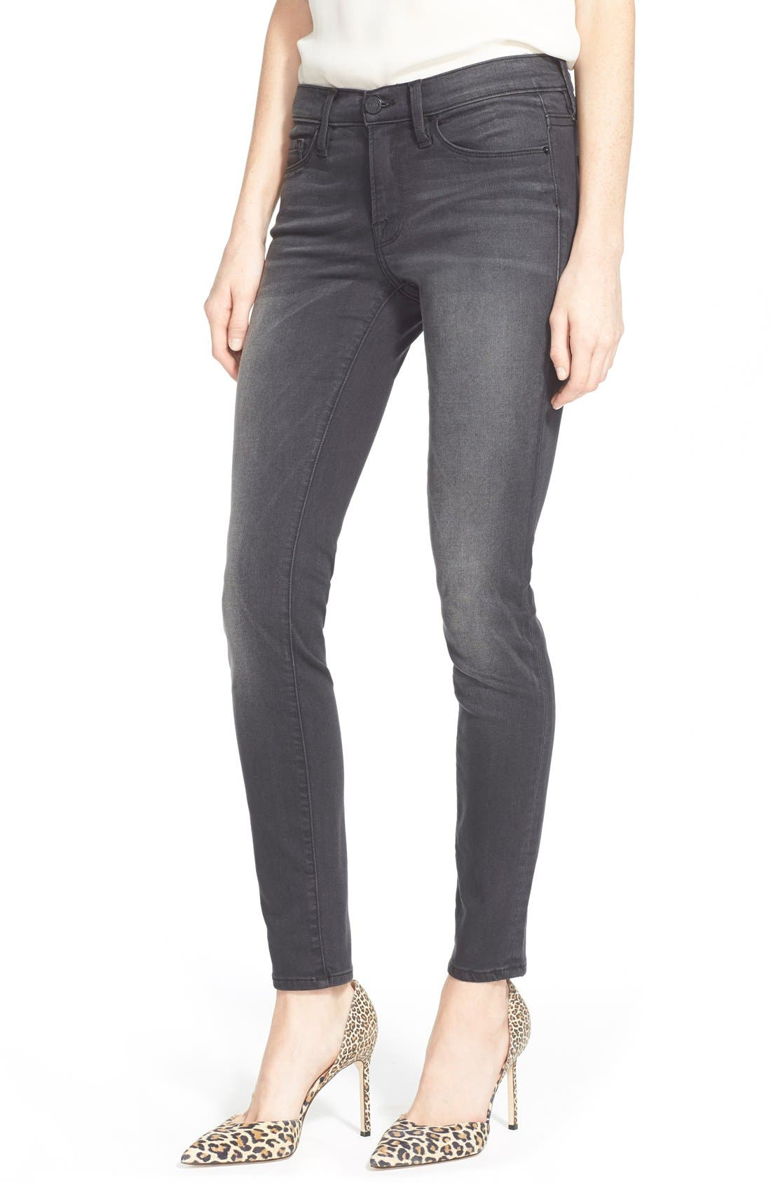 Main Image - FRAME 'Le Skinny' Sateen Skinny Jeans (Knightrider)