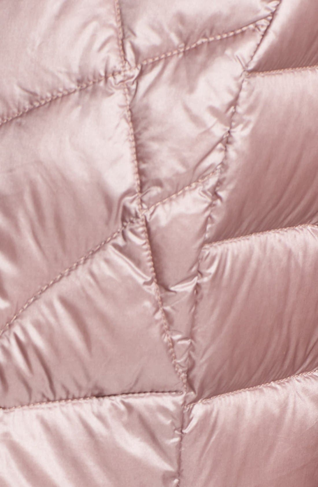 Alternate Image 5  - Bernardo Packable Down & PrimaLoft® Fill Hooded Jacket (Regular & Petite)