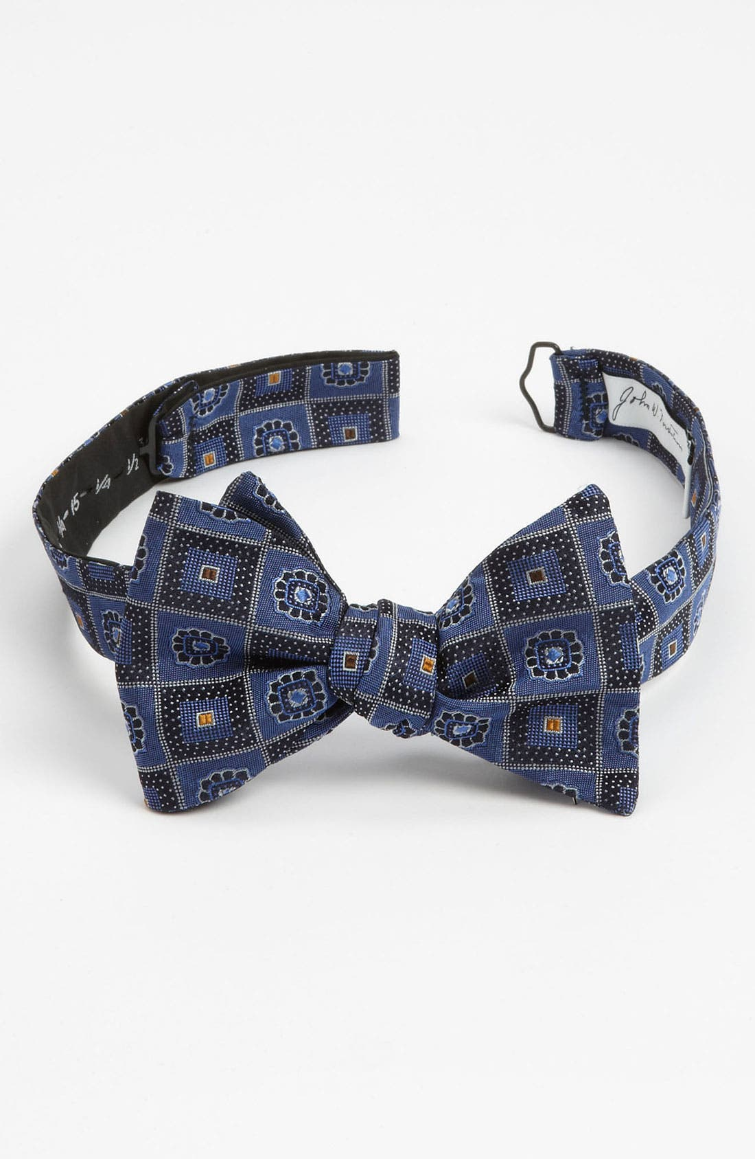 Alternate Image 1 Selected - John W. Nordstrom® Silk Bow Tie