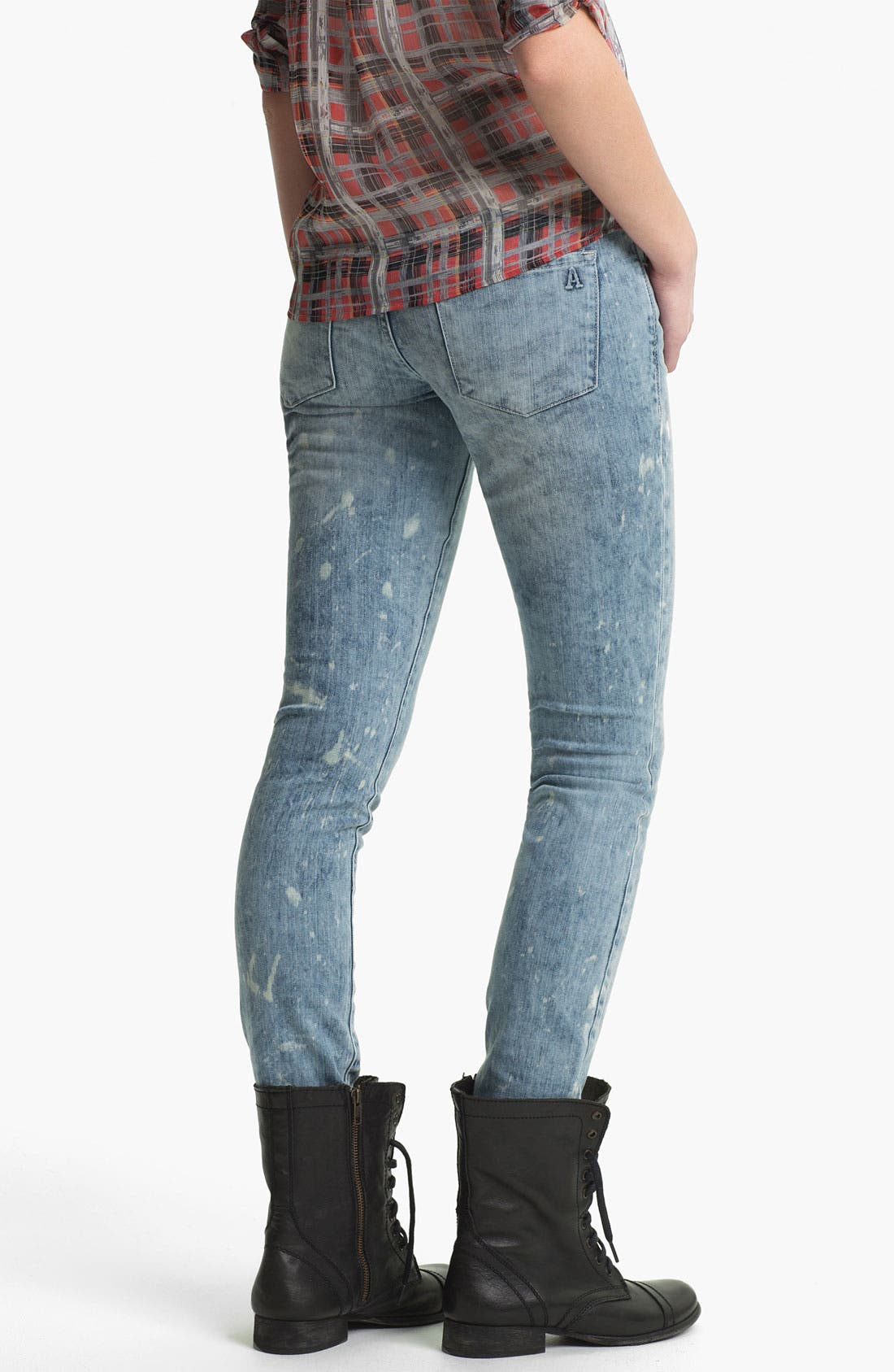 Main Image - Articles of Society 'Ashley' Acid Wash Skinny Jeans (Coast) (Juniors)