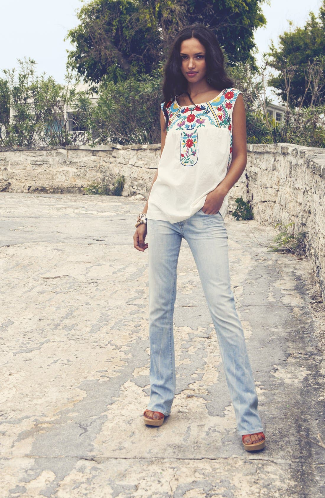 Alternate Image 4  - Willow & Clay Embroidered Peasant Tank