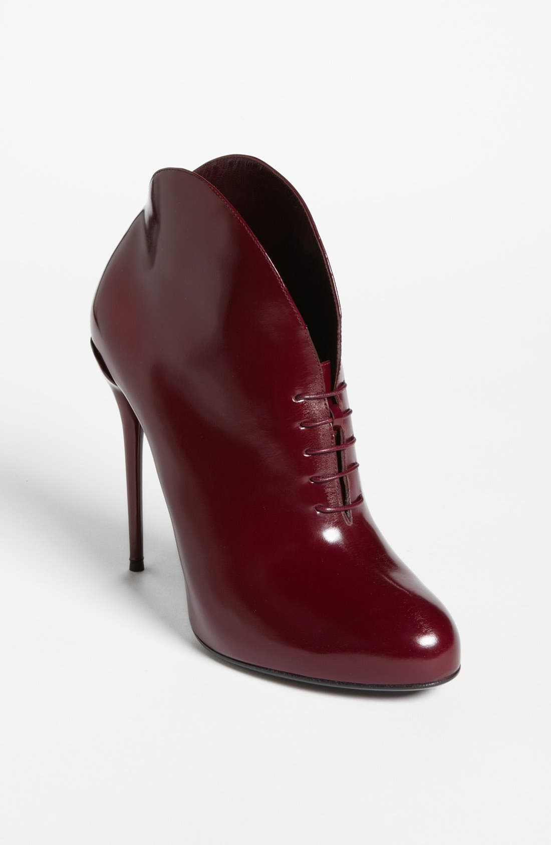 Alternate Image 1 Selected - Gucci 'Kim' Bootie