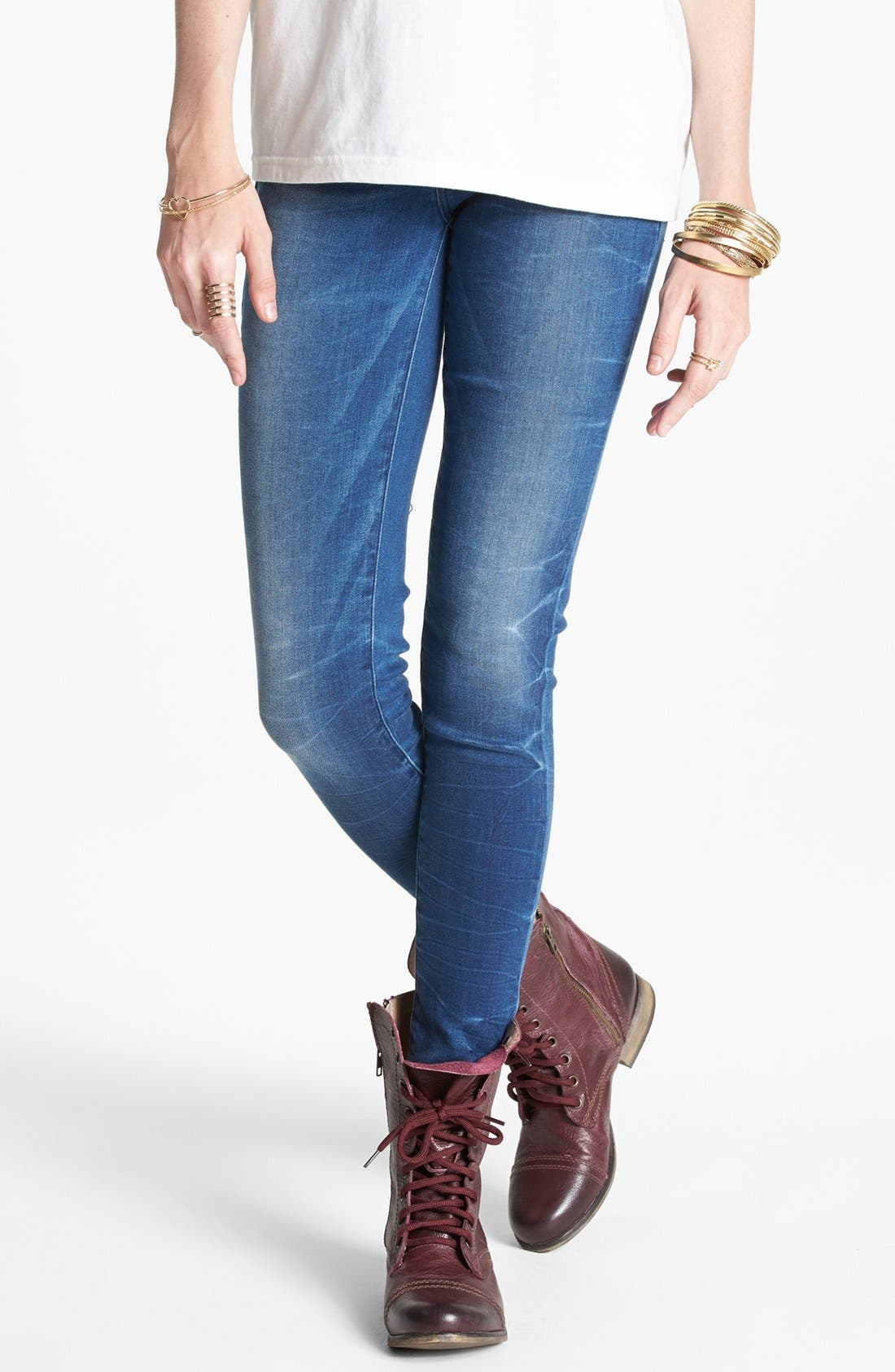 Alternate Image 1 Selected - Levi's® 'Core Better Legging' Skinny Jeans (Blue)