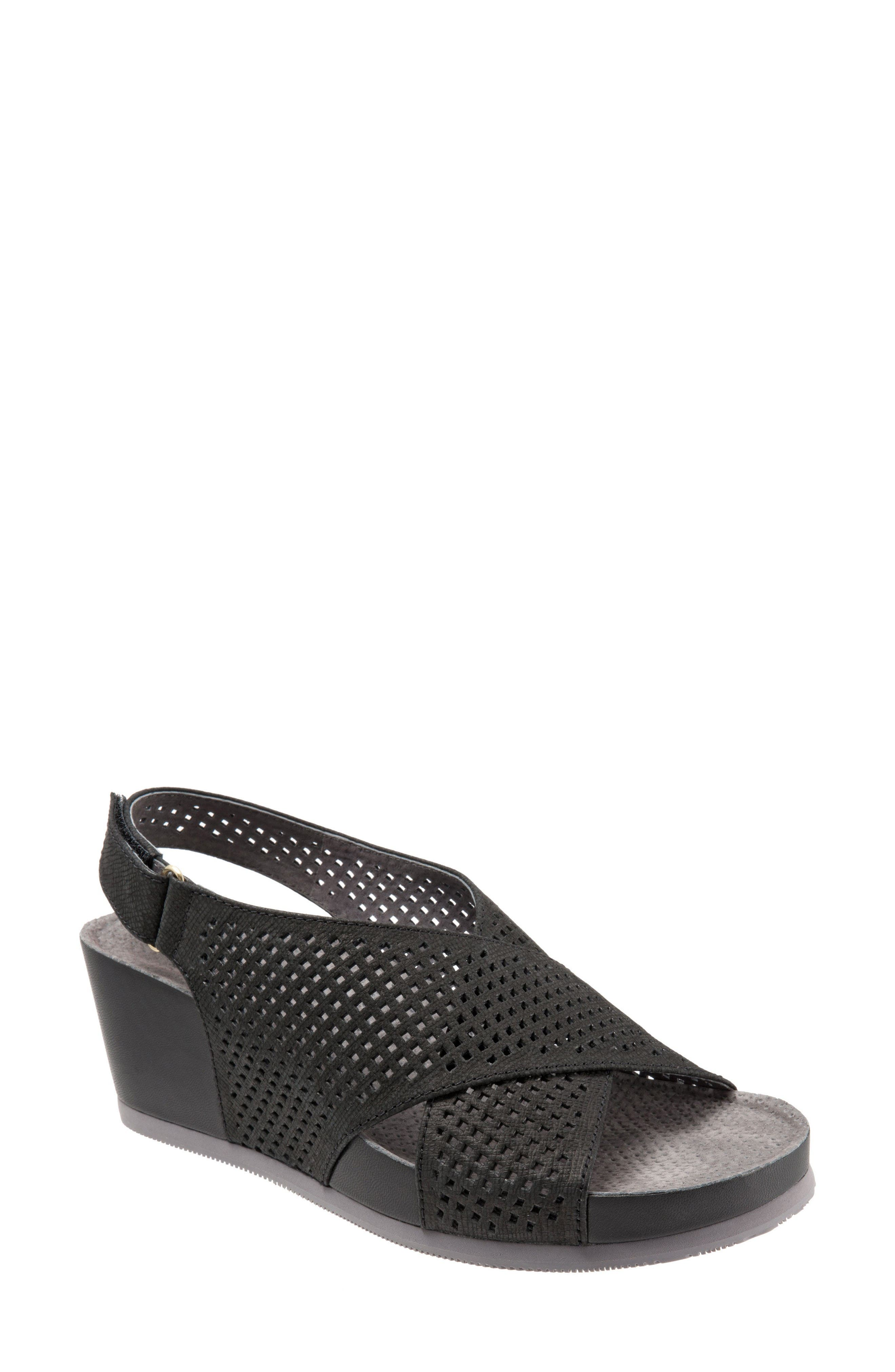 SoftWalk® Hansford Wedge Sandal (Women)