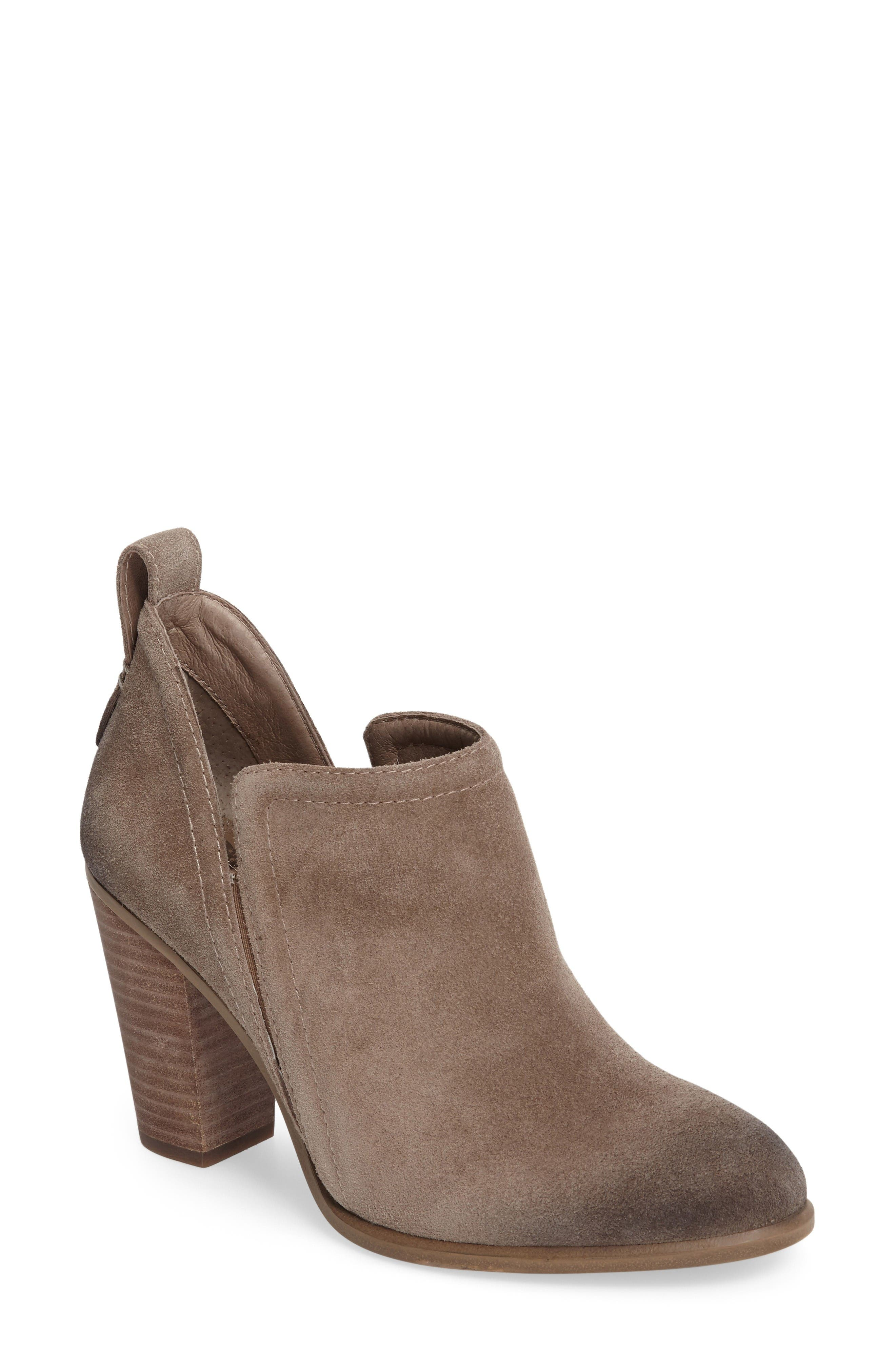 Alternate Image 1 Selected - Vince Camuto Francia Bootie (Women)