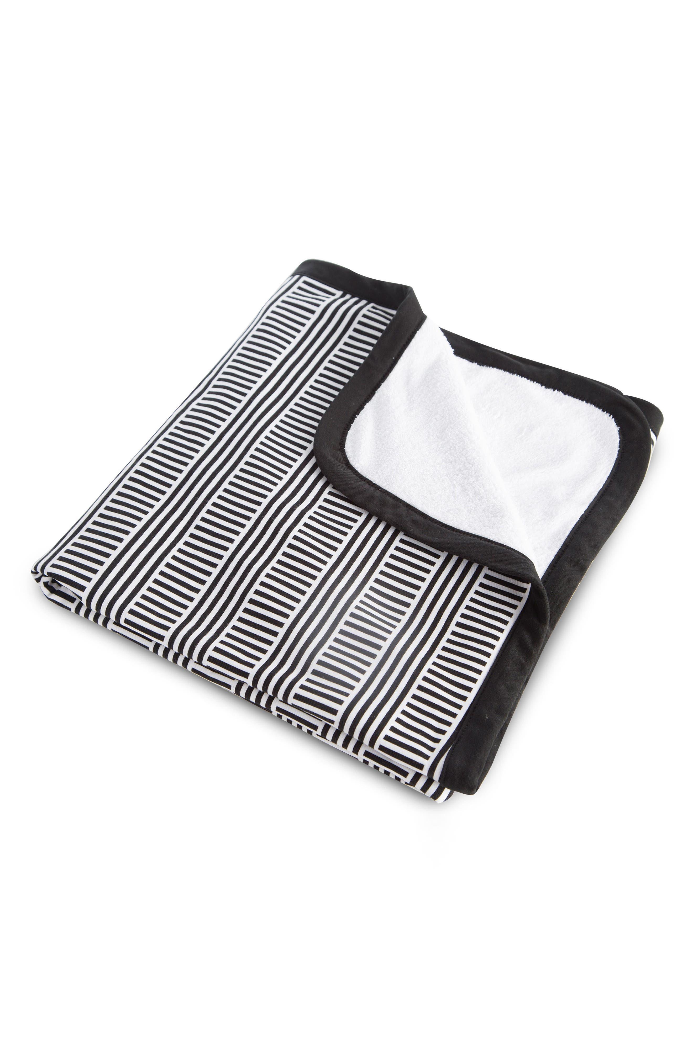 Cuddle Blanket,                             Alternate thumbnail 10, color,                             Black/ White