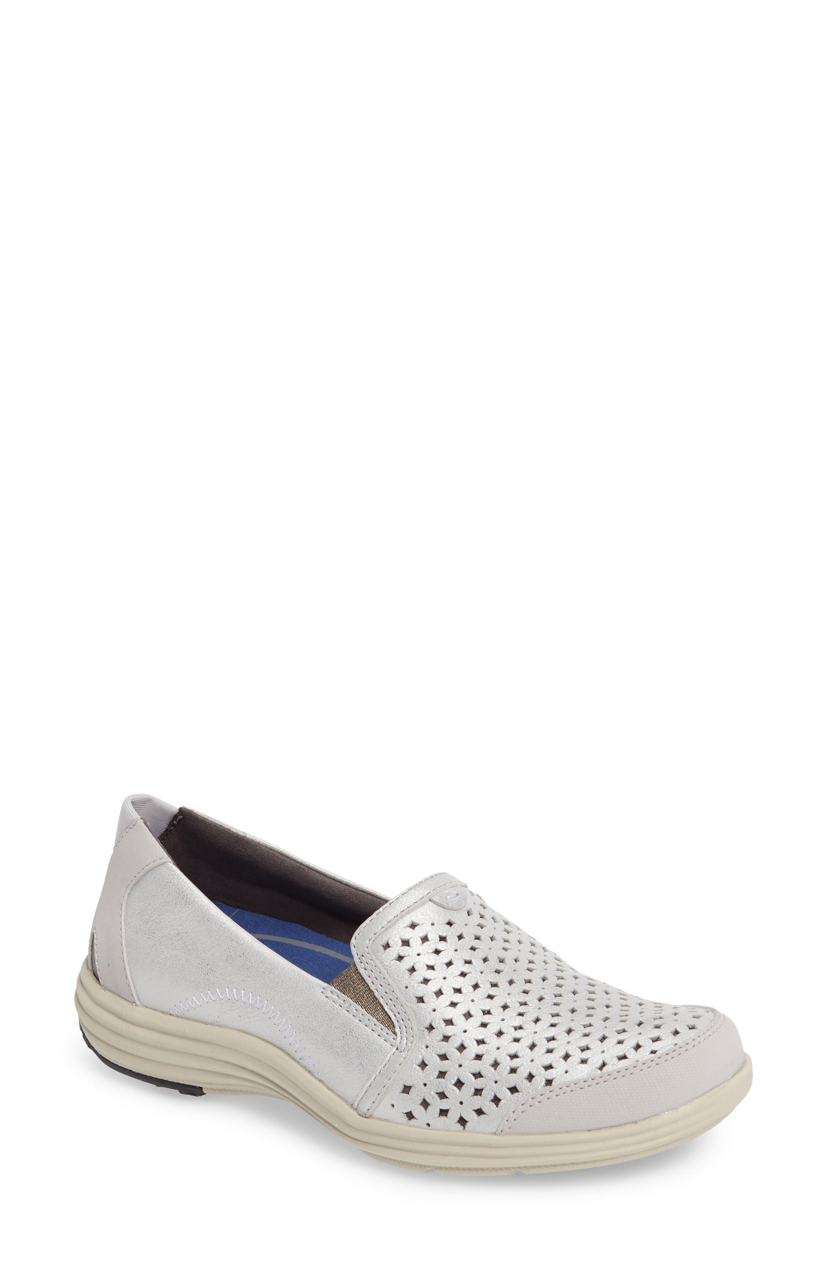 Aravon 'Bonnie' Slip-On Sneaker (Women)