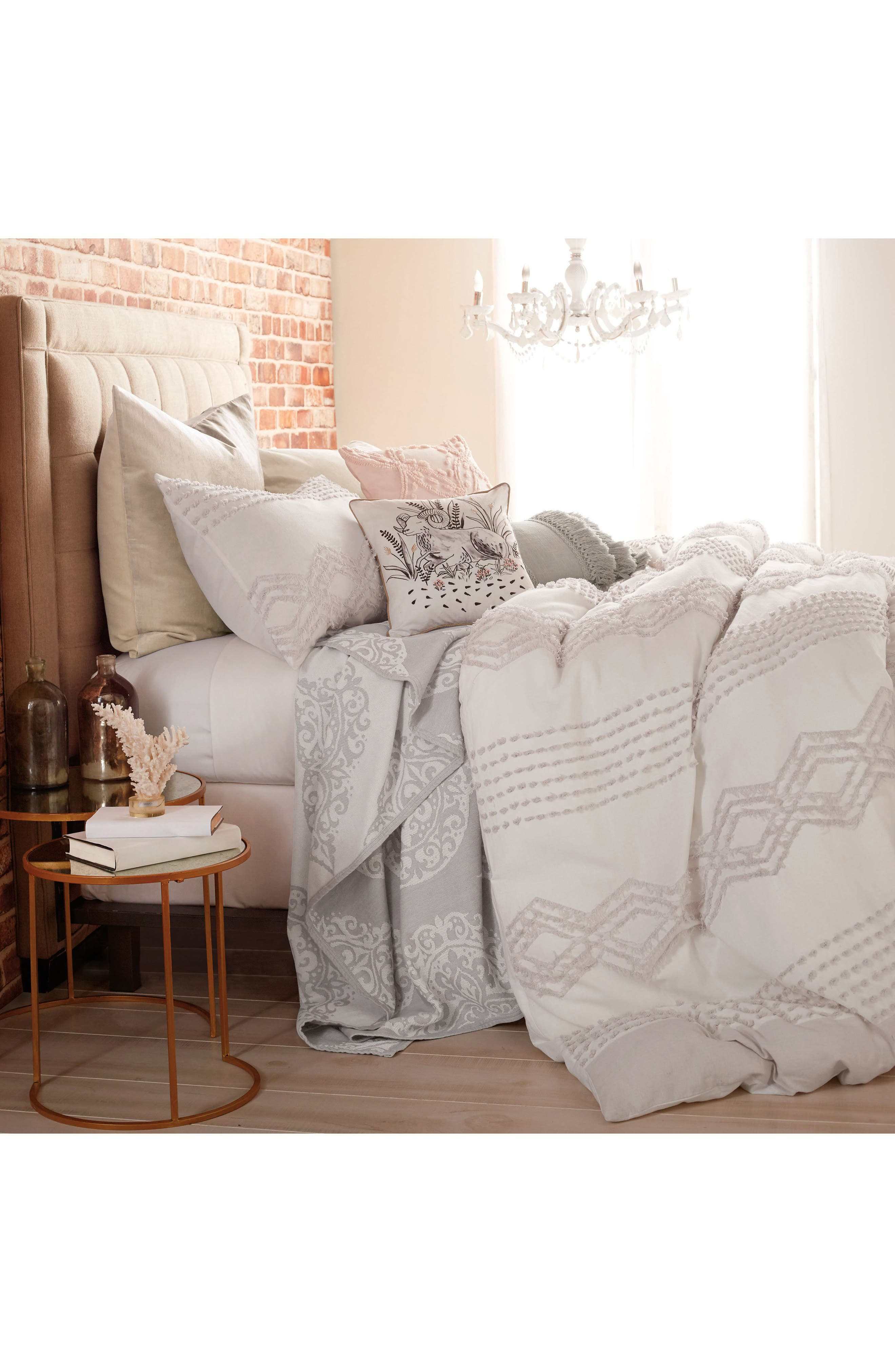Alternate Image 3  - Peri Home Cut Geo Chenille Comforter & Sham Set