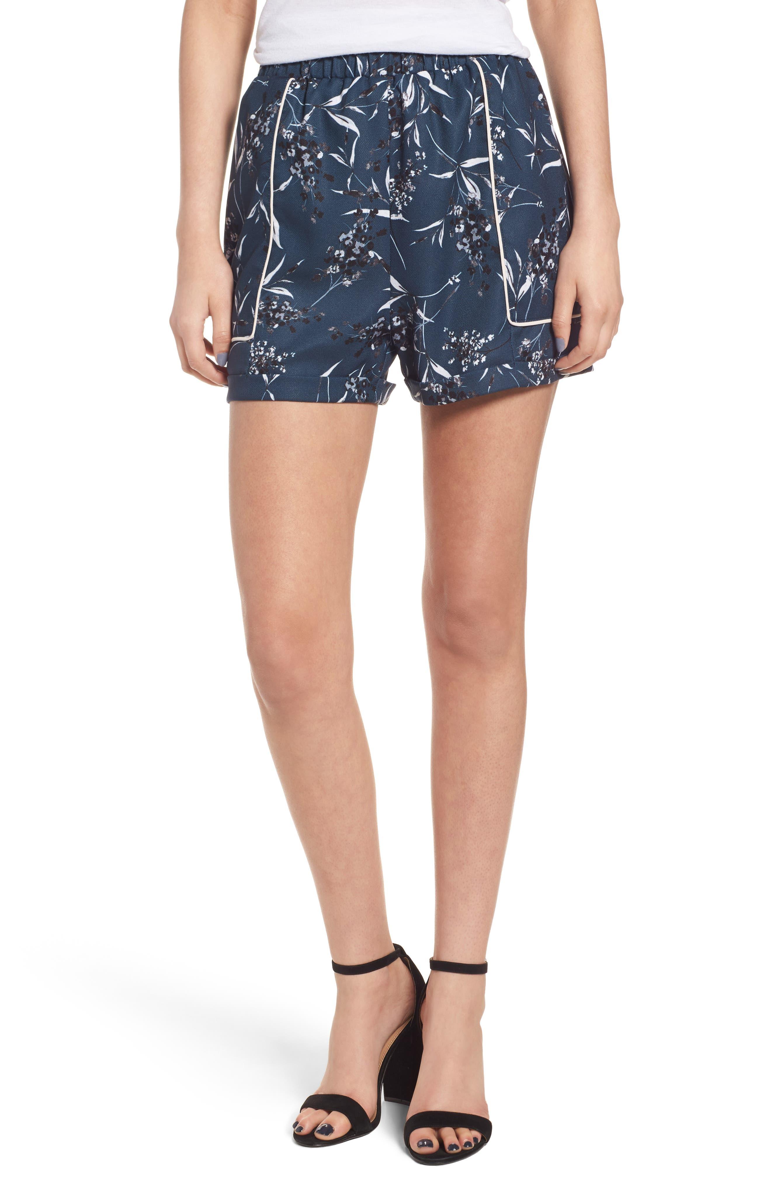 Leith High Waist Pipe Detail Shorts