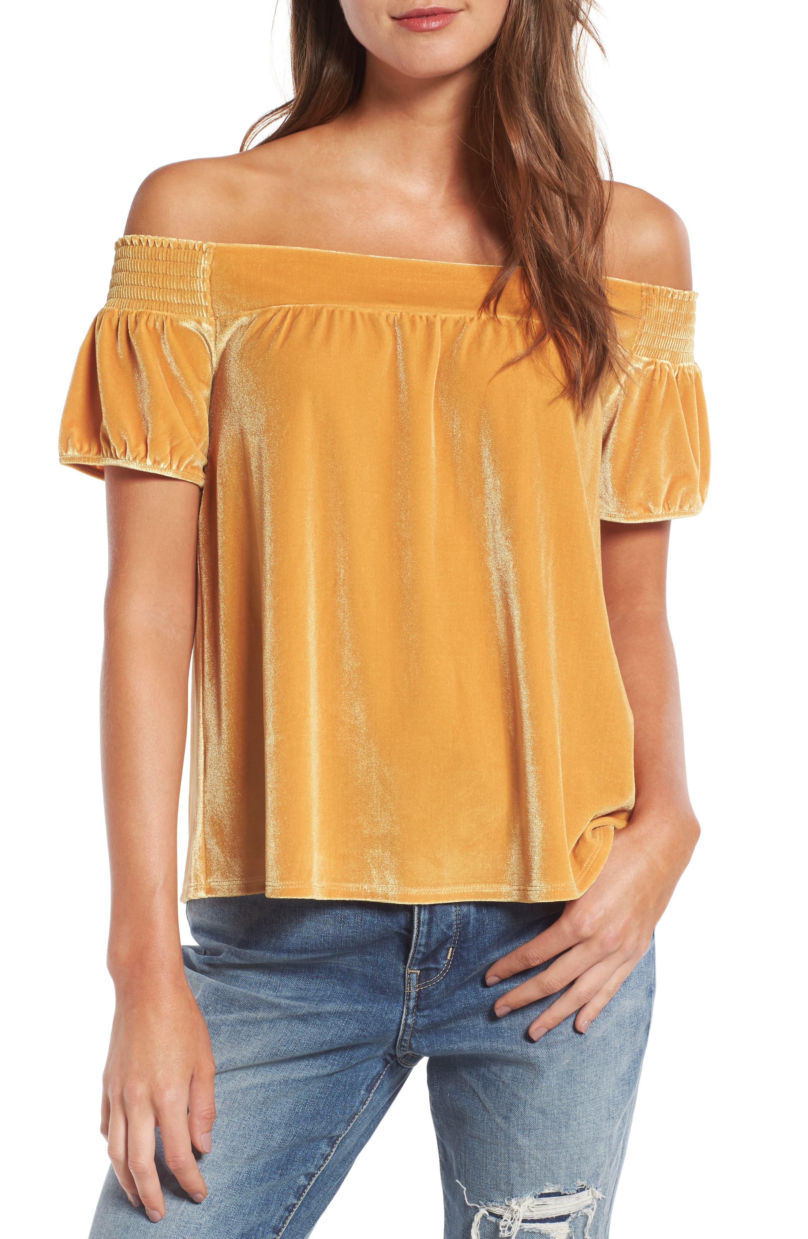 Main Image - Hinge Off the Shoulder Velvet Top