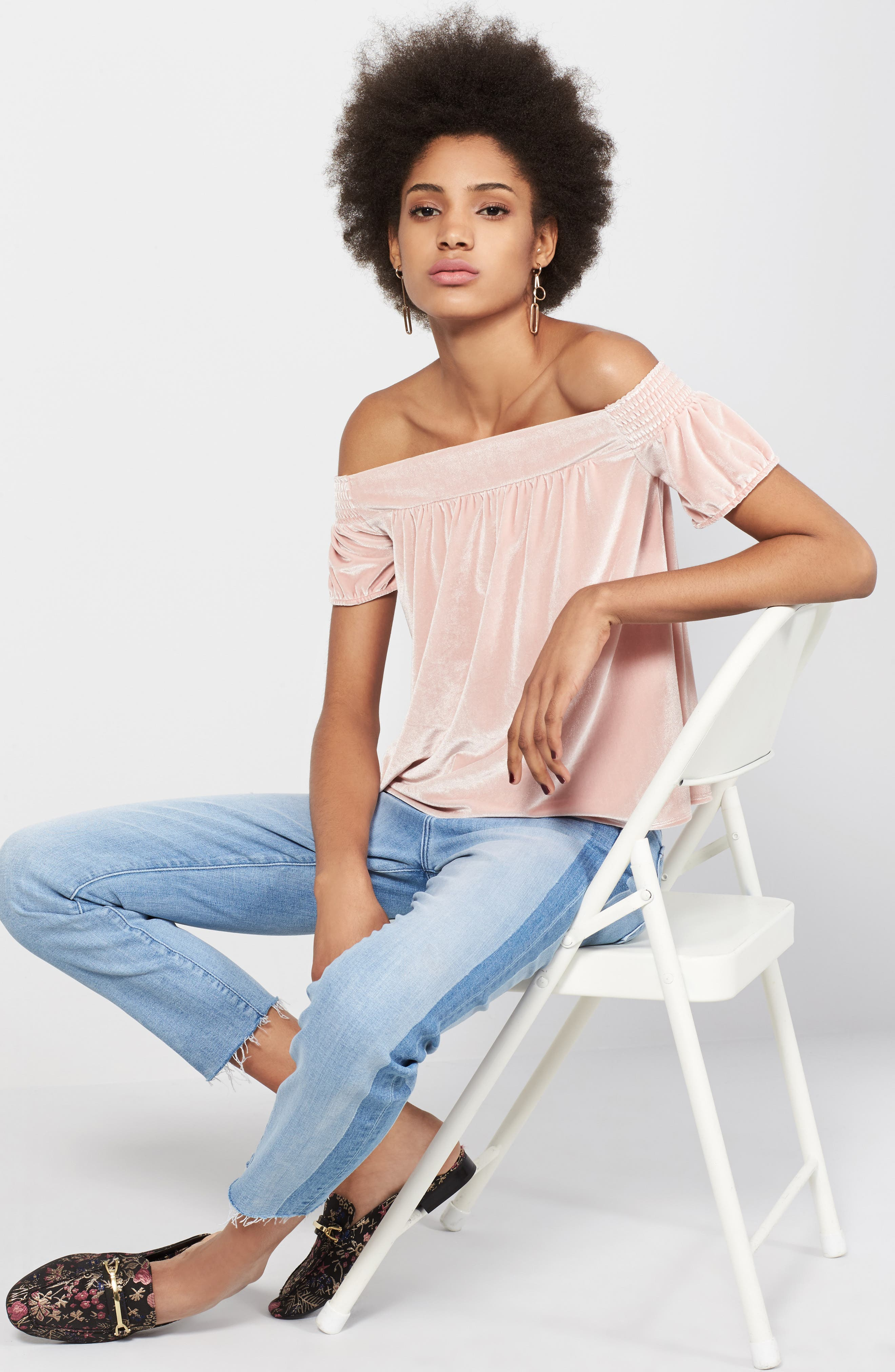 Hinge Top & 7 For All Mankind® Jeans Outfit with Accessories