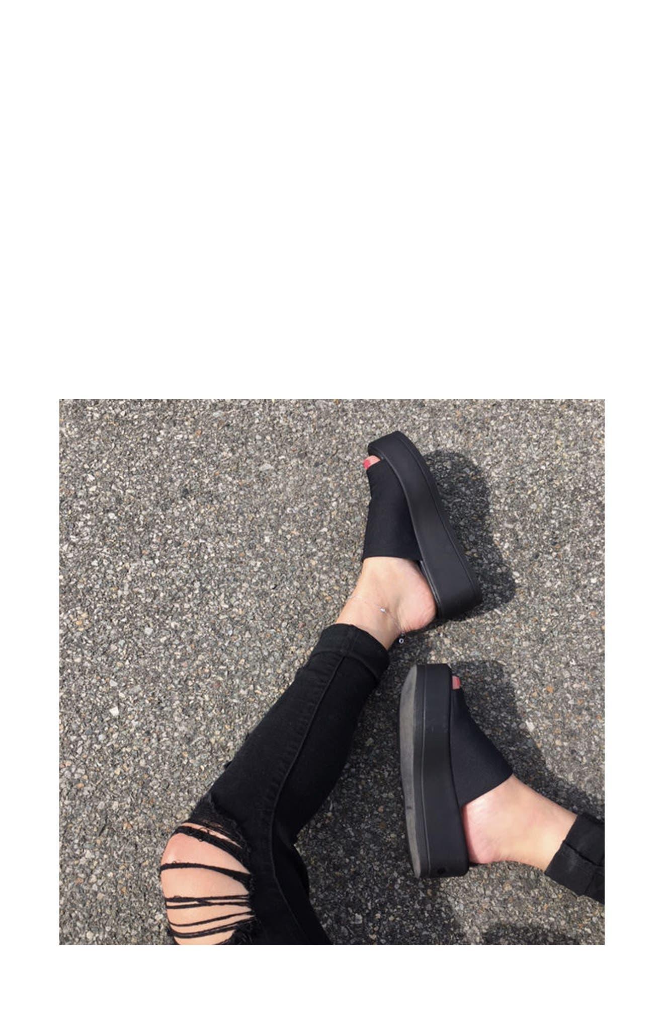Slinky Platform Sandal,                             Alternate thumbnail 7, color,                             Black