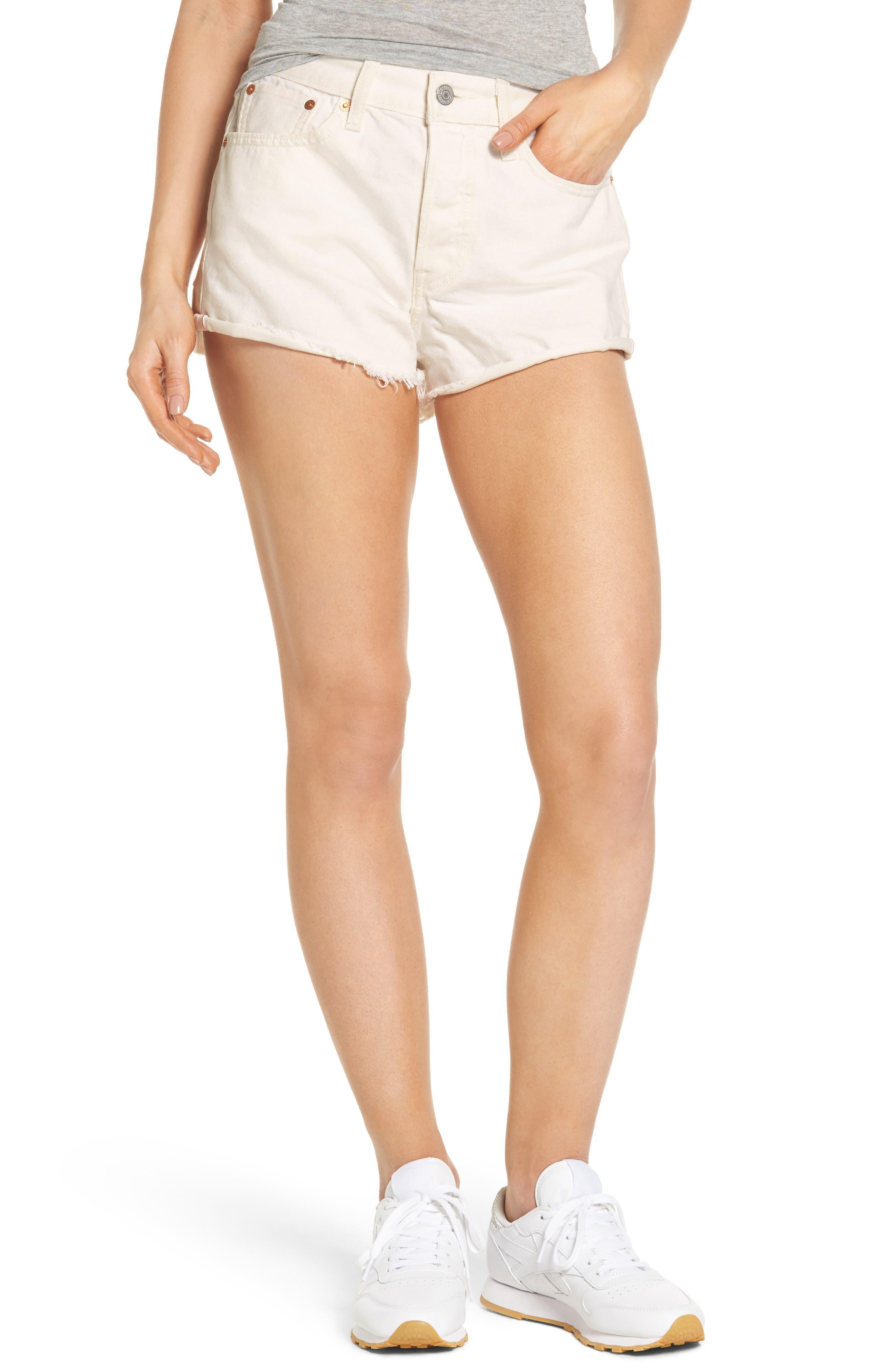 Levi's® Wedgie High Waist Denim Shorts (Busted Chalk)